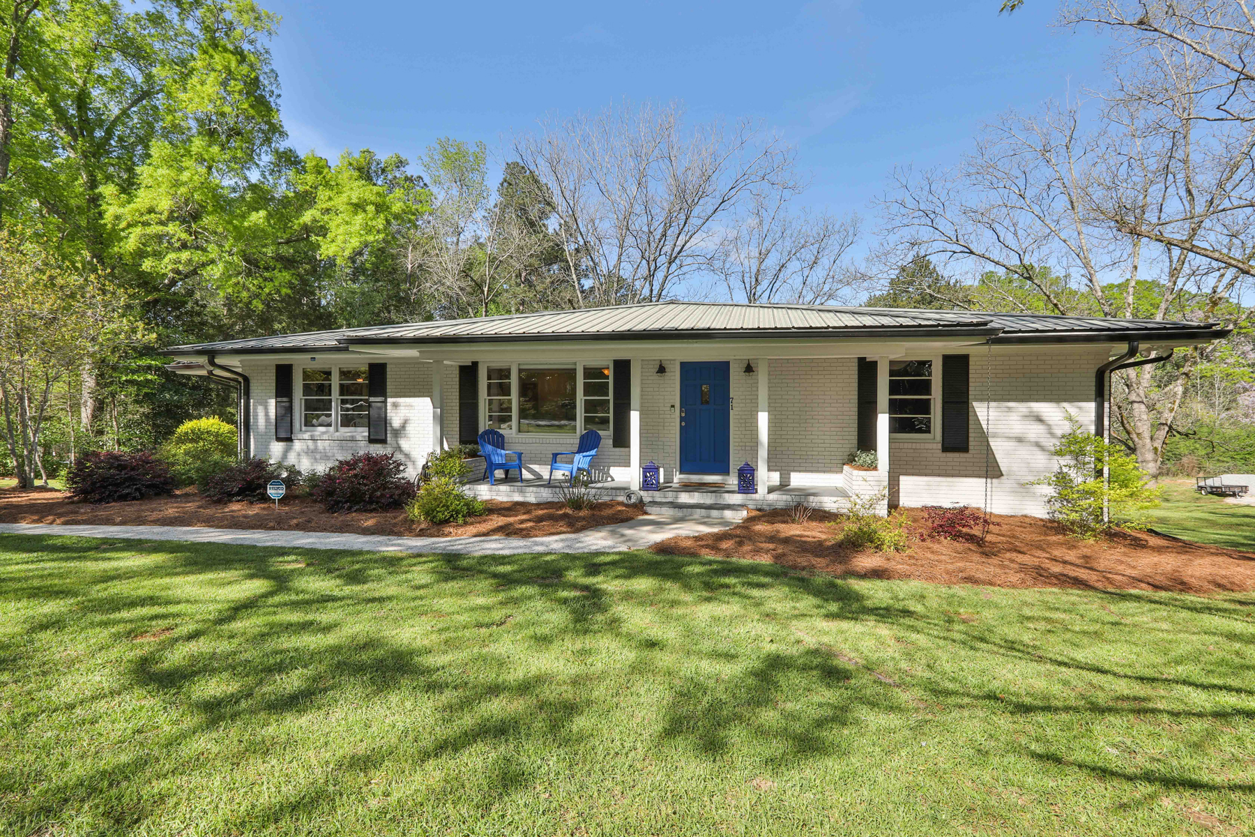 Single Family Homes のために 売買 アット What a Gem! Better than New Mid-Century Ranch 71 Luther Bailey Road, Senoia, ジョージア 30276 アメリカ