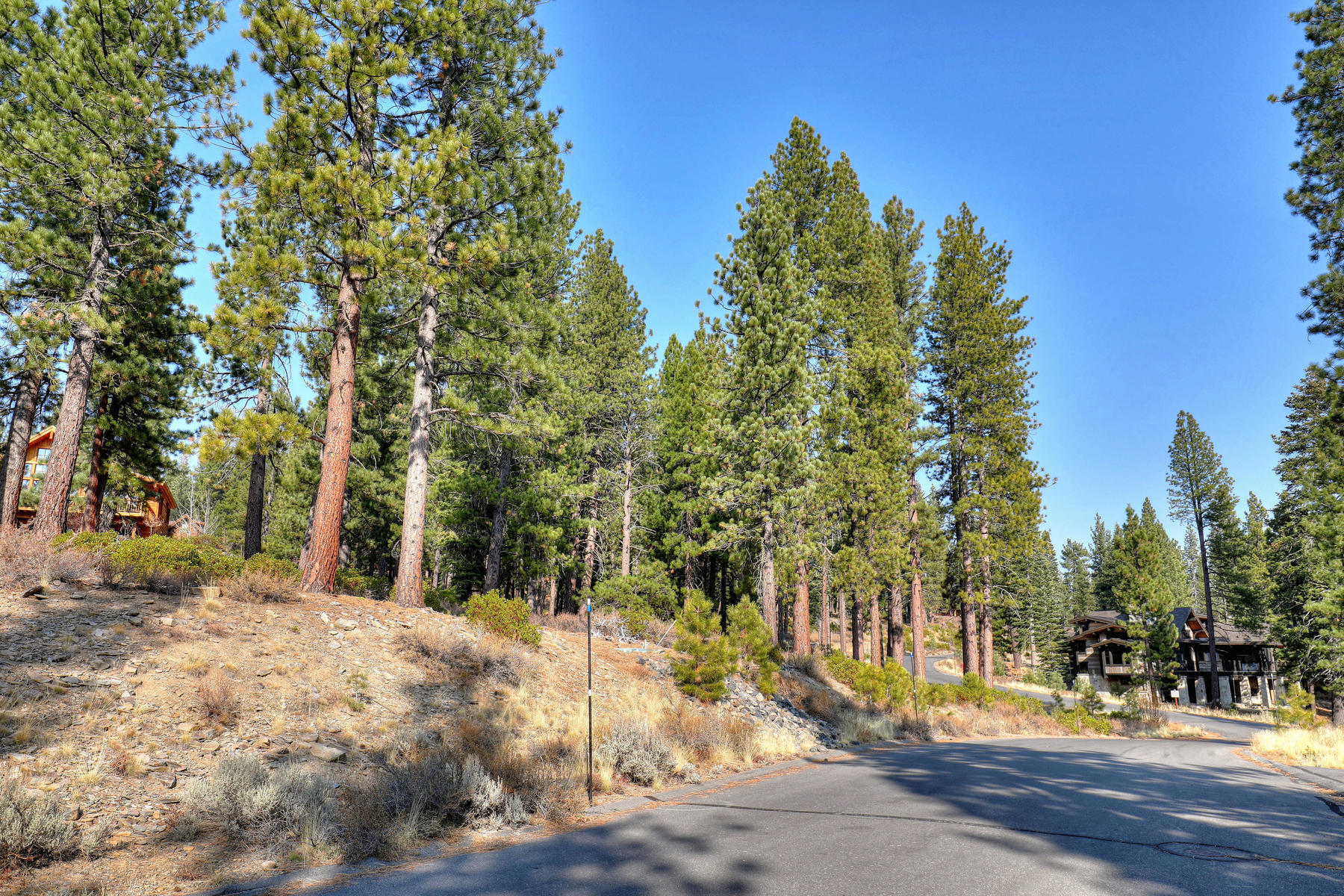 Land for Active at 11756 Coburn Drive, Truckee, CA 96161 11756 Coburn Drive Truckee, California 96161 United States