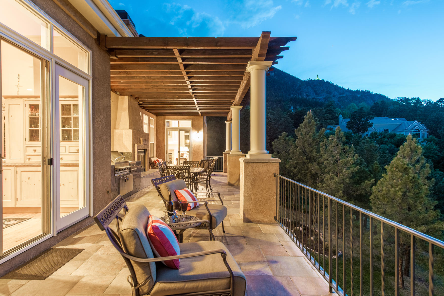Additional photo for property listing at Beautifully secluded Tuscan style home in Broadmoor Resort Community 4355 Stone Manor Hts Colorado Springs, Colorado 80906 United States