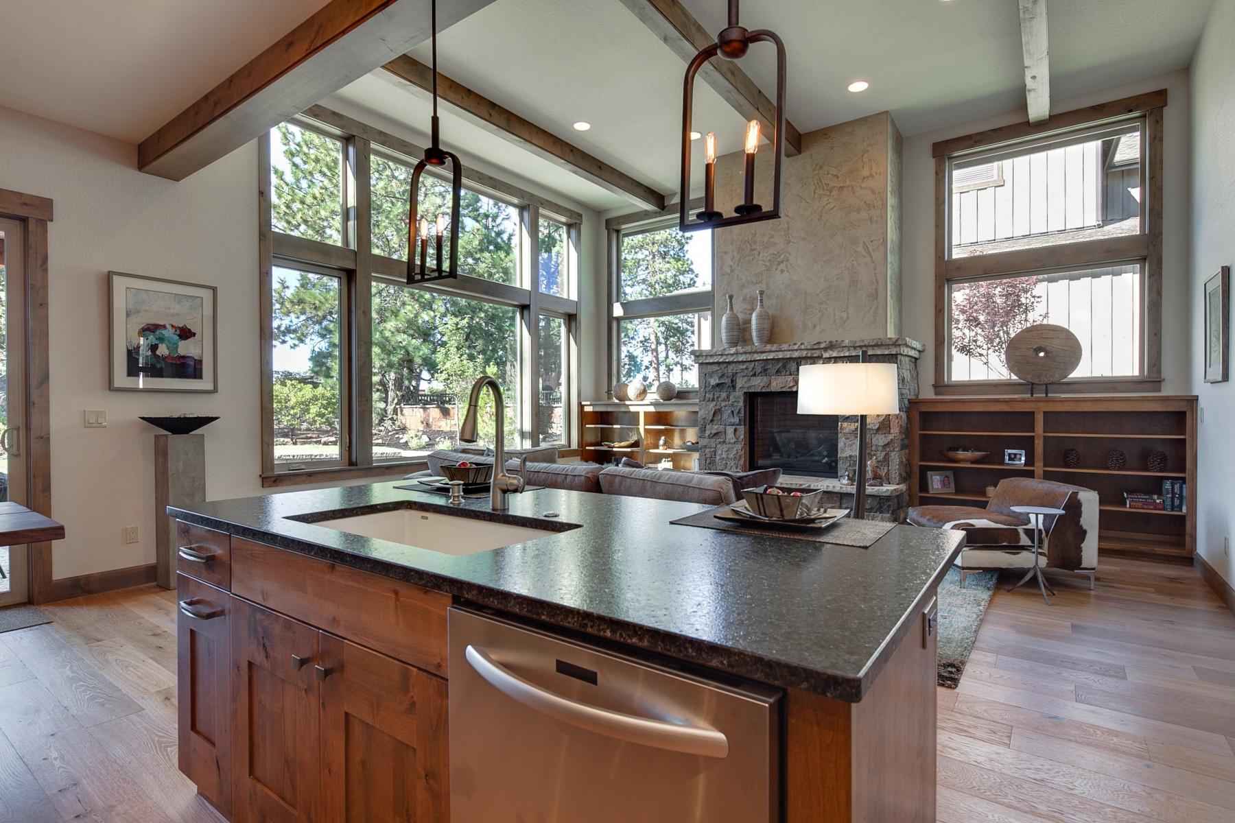 独户住宅 为 销售 在 60478 Kangaroo, Bend 60478 Kangaroo Loop, 本德, 俄勒冈州, 97702 美国