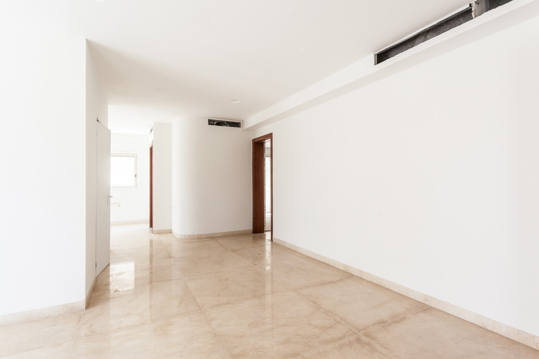 Additional photo for property listing at Stately Brand New Luxury Apartment Jerusalem, Israel Israël