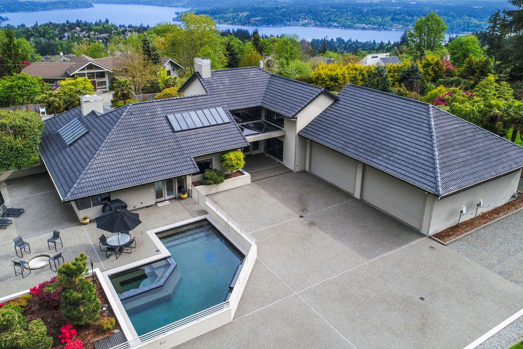 Single Family Home for Sale at Architecturally Iconic Lakemont Masterpiece 5924 170th Ave SE Bellevue, Washington 98006 United States