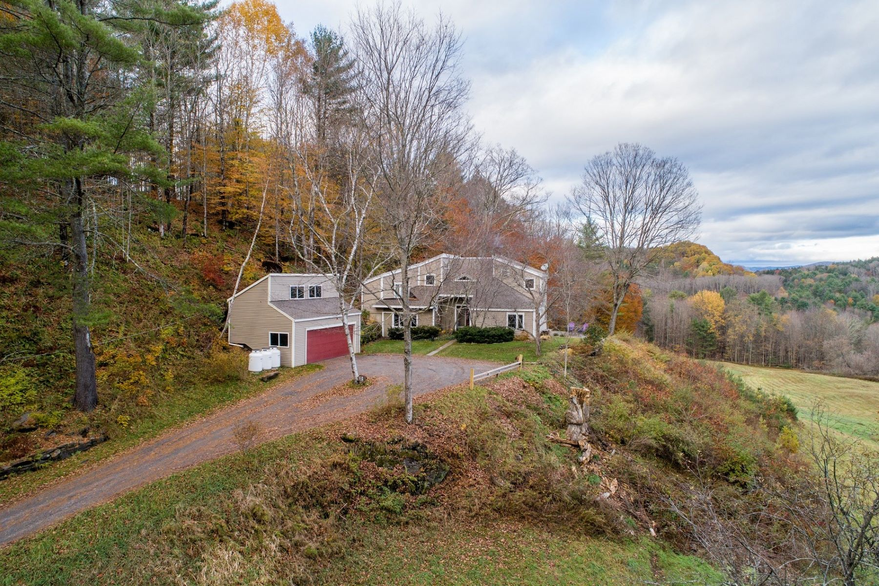 Single Family Home for Sale at 219 Russell Road, Tunbridge 219 Russell Rd Tunbridge, Vermont 05077 United States