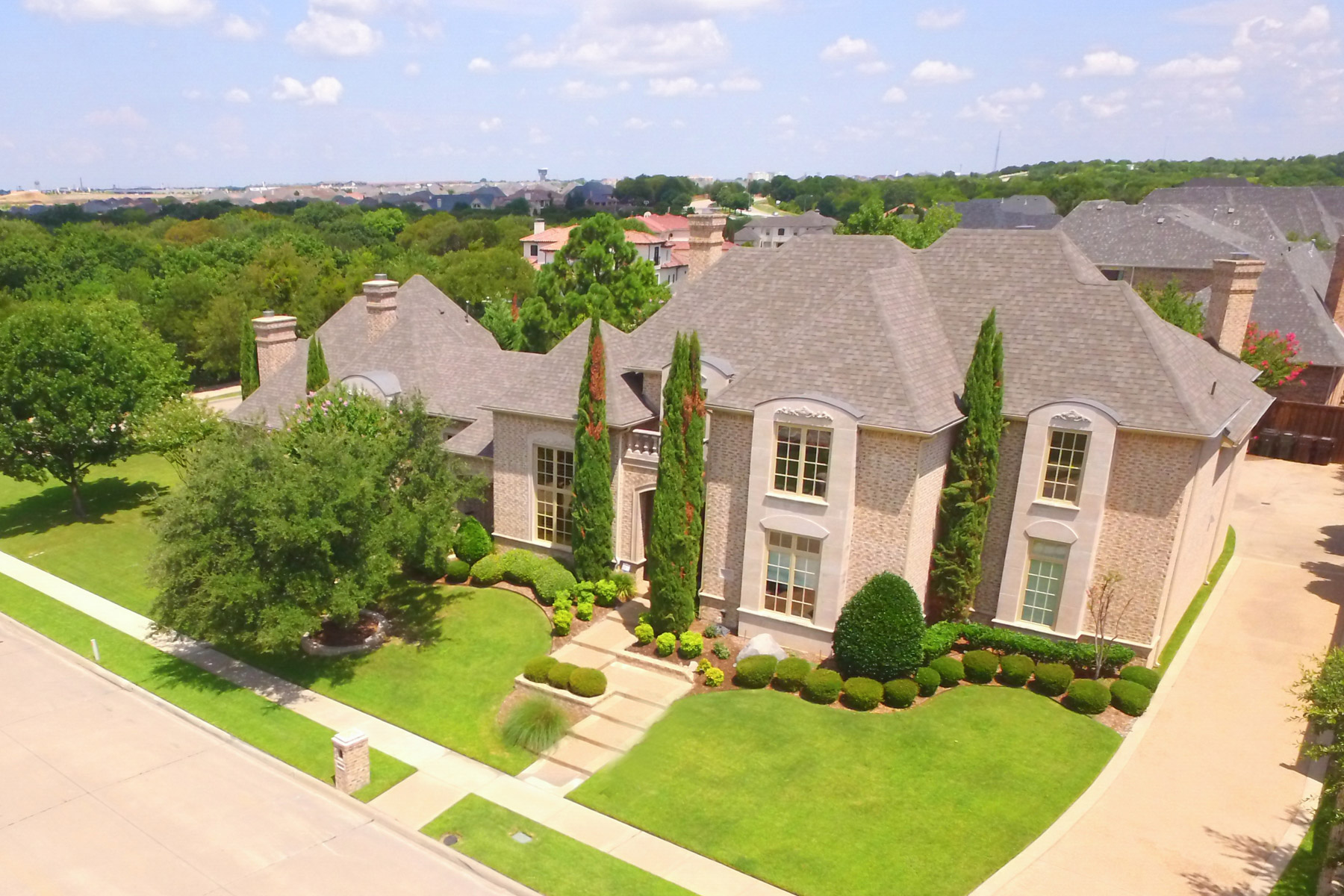 Single Family Home for Sale at Fabulous Double Lot Home in Shoal Creek 6641 Woodland Hills Lane Plano, Texas 75024 United States