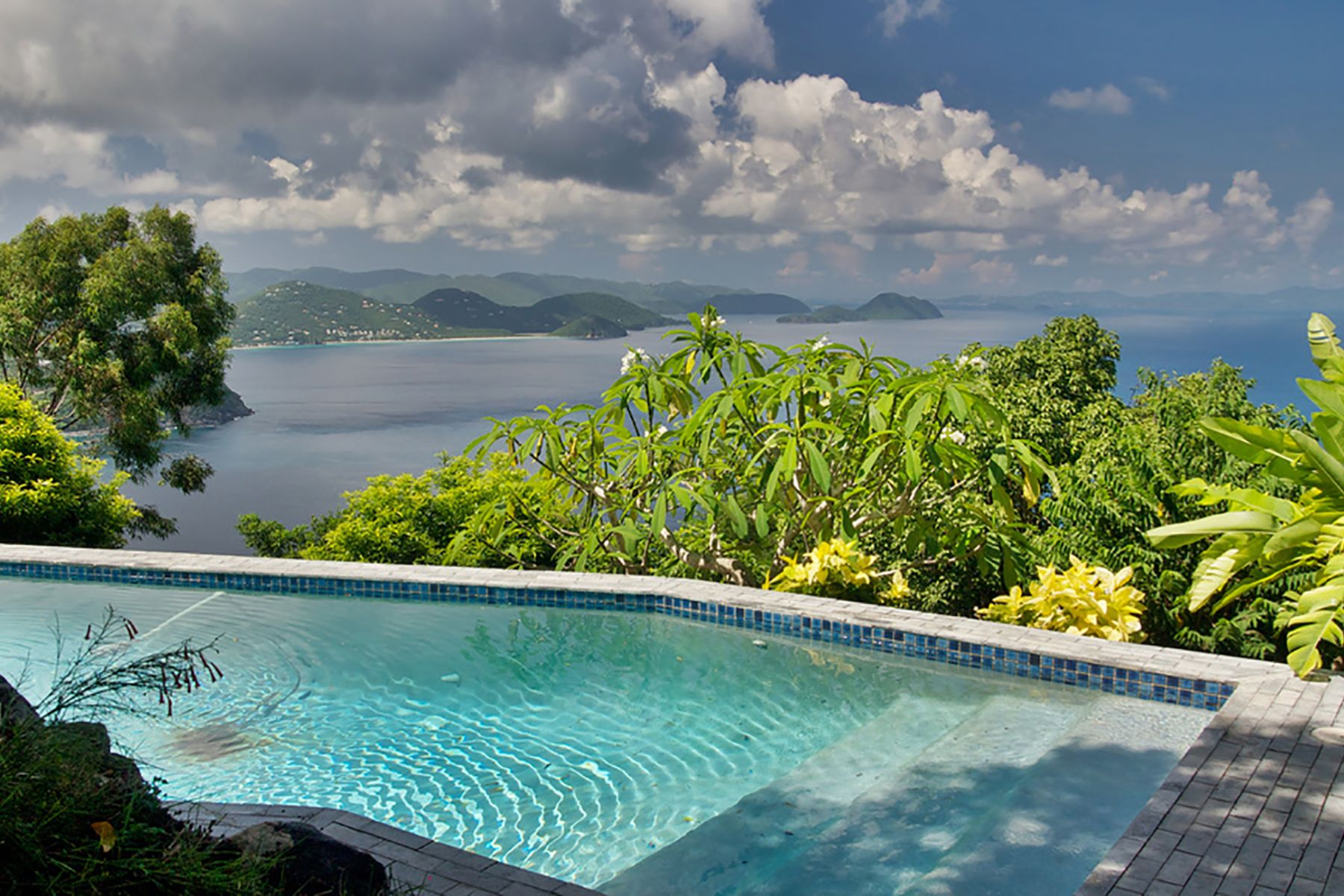Additional photo for property listing at Hawk's View Soldiers Hill, Tortola Iles Vierges Britanniques