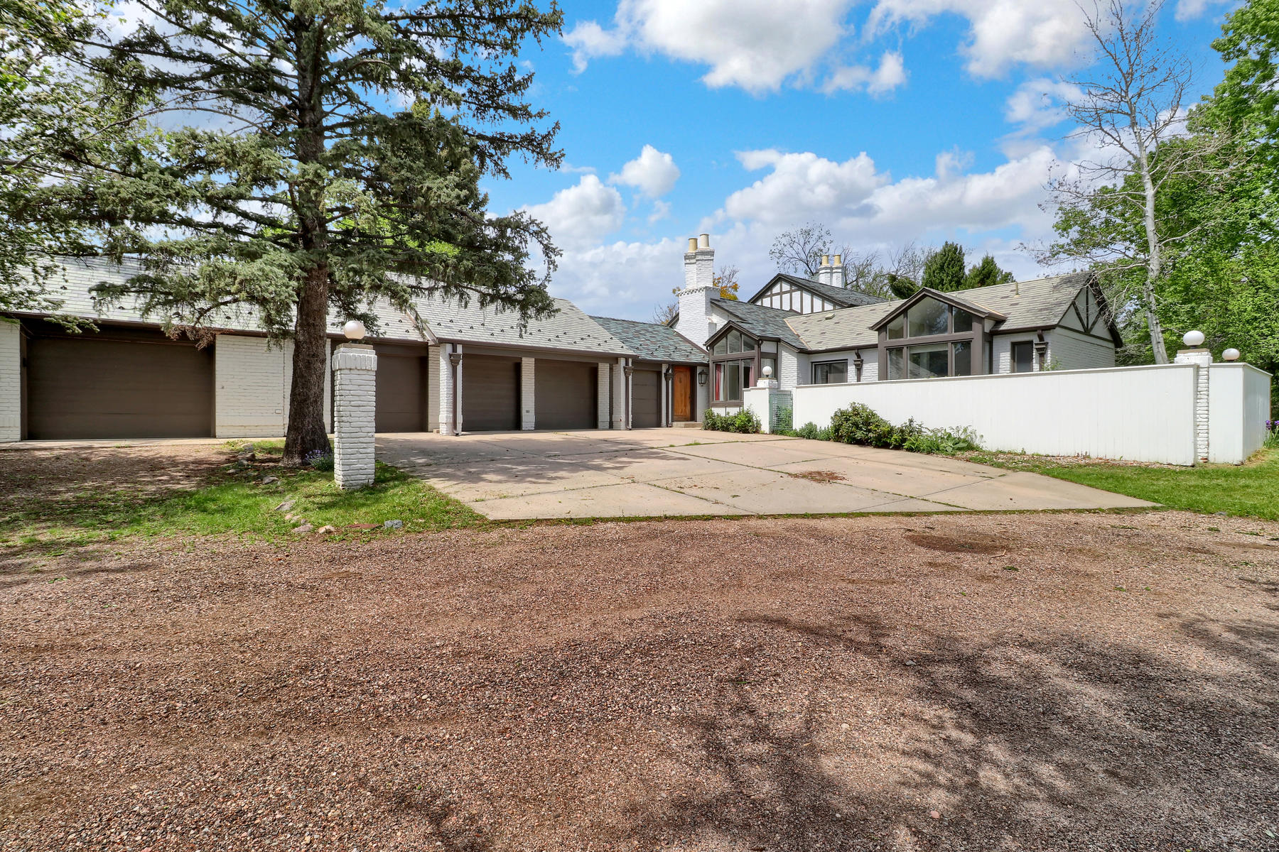 Additional photo for property listing at A MUST SEE! 6650 W Lakeridge Rd Lakewood, Colorado 80227 United States