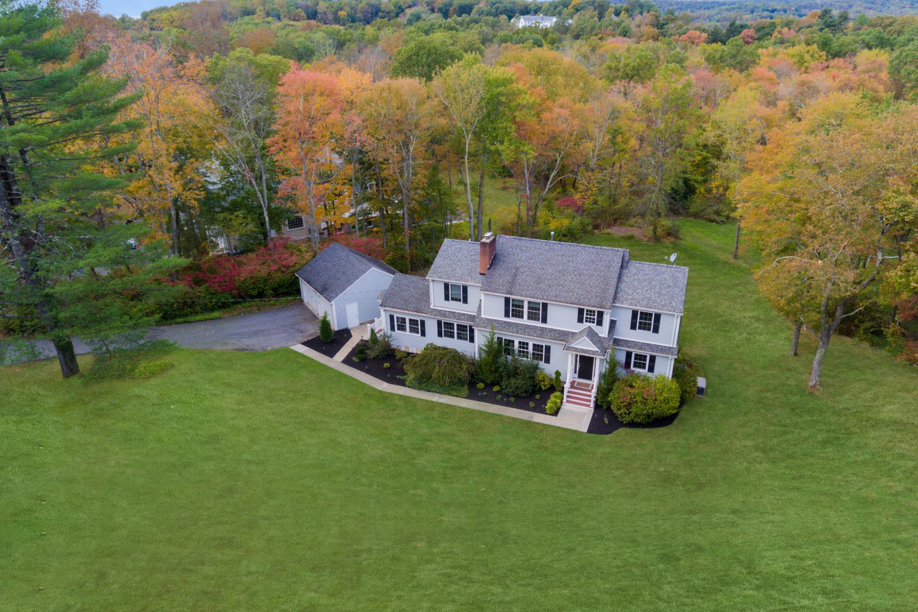 Single Family Homes for Sale at Washington Valley Colonial 7 Doe Hill Road, Morristown, New Jersey 07960 United States