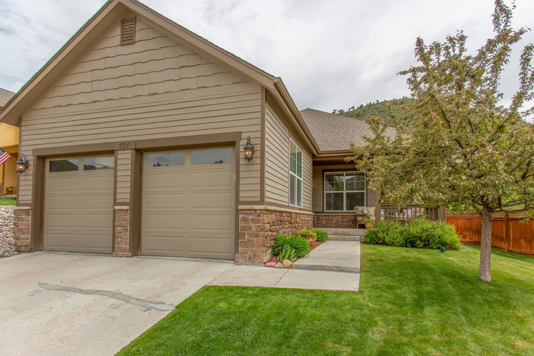 Single Family Home for Active at Castle Valley Ranch Style Home 767 S. Wildhorse Drive New Castle, Colorado 81647 United States