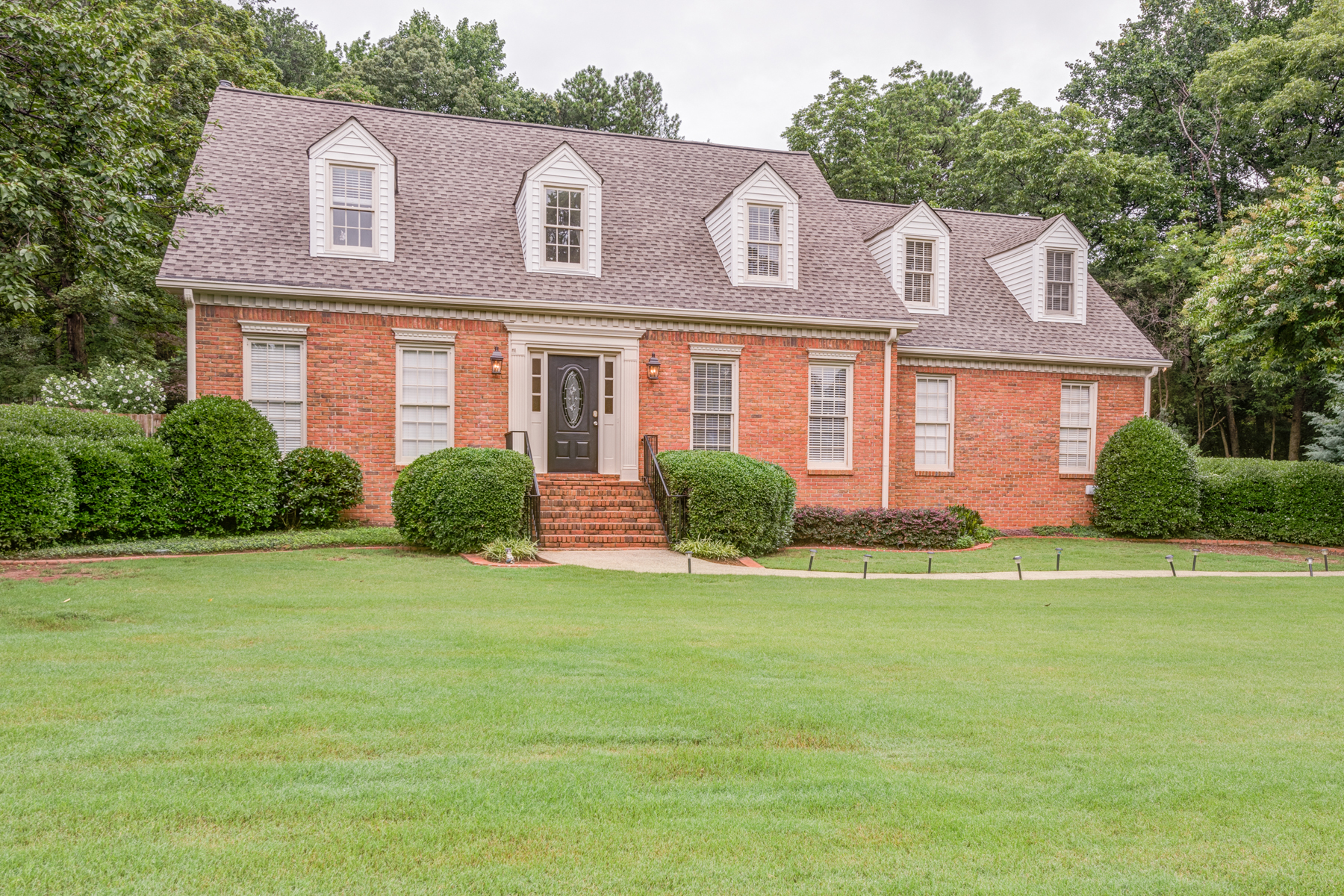 Single Family Home for Active at Exquisite Colonial 466 Park Manor Drive NW Marietta, Georgia 30064 United States