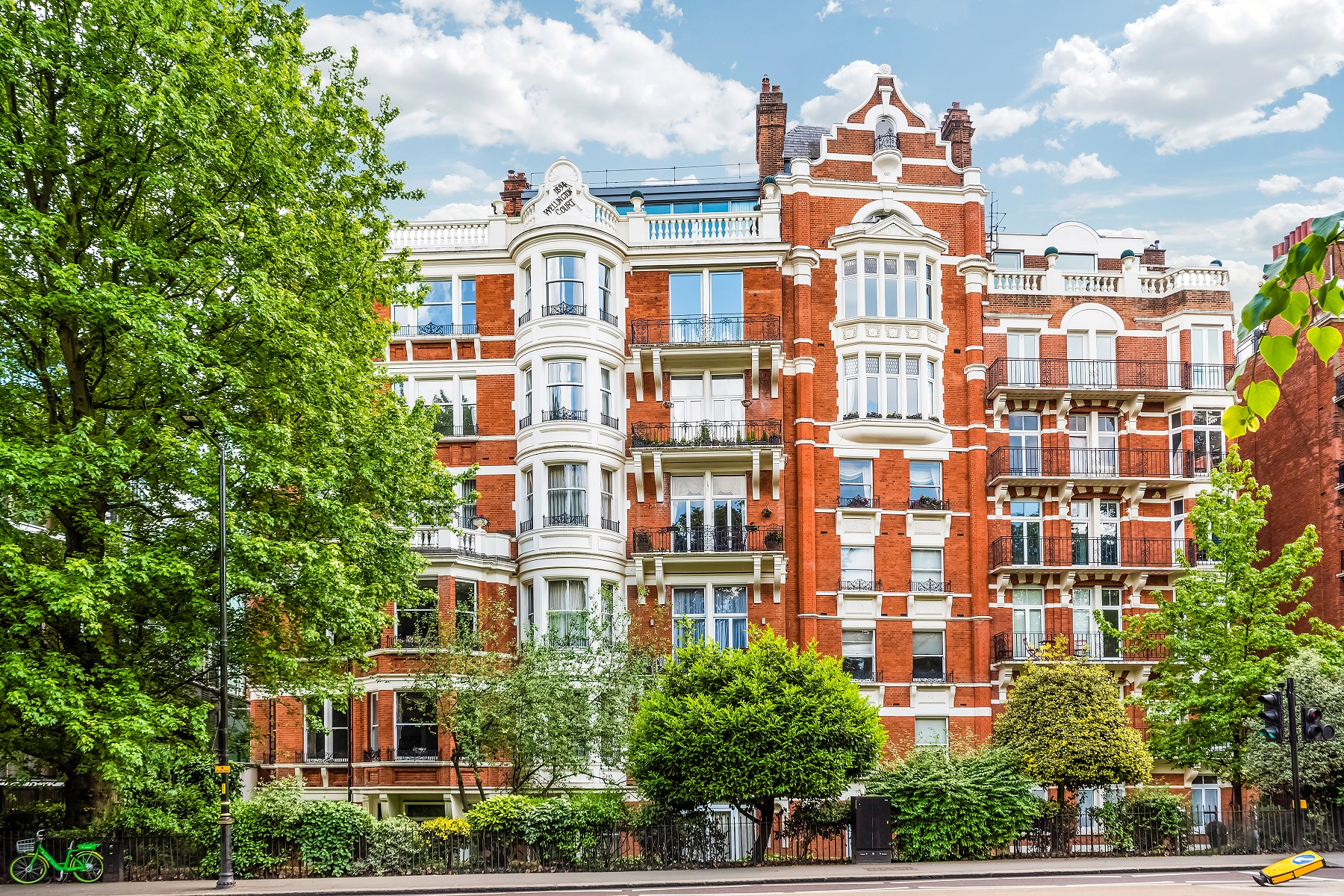Apartments for Sale at Flat 21 , Wellington Court 116 Knightsbridge London, England SW1X 7PL United Kingdom