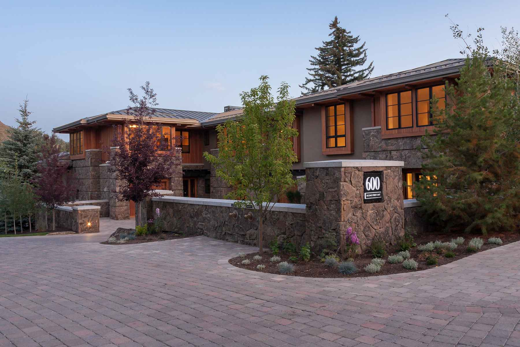 Condominio por un Venta en Extraordinary Mountain Contemporary 600 E Second St Unit 2 Ketchum, Idaho 83340 Estados Unidos