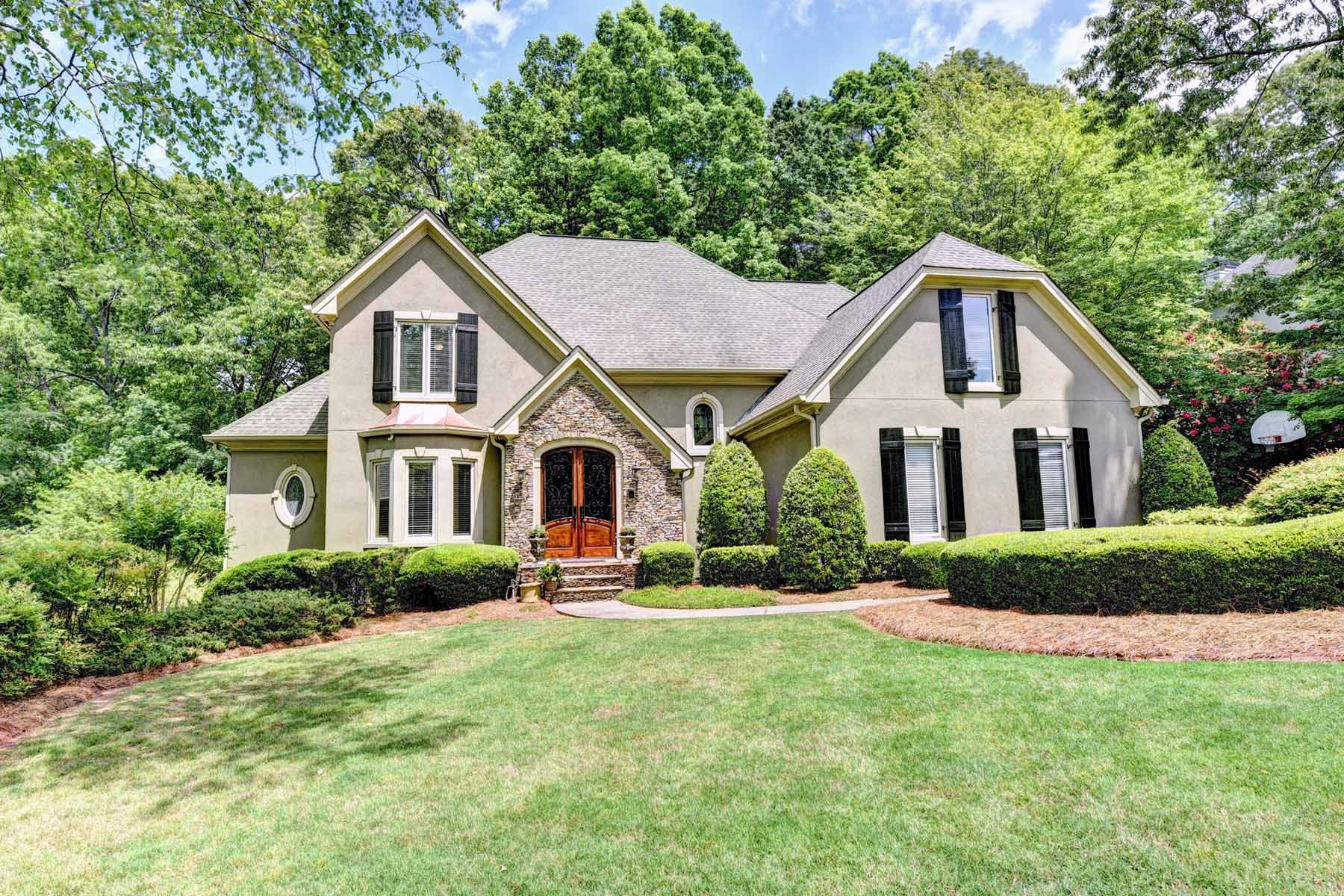 Частный односемейный дом для того Продажа на Gorgeous Owner Suite On Main WIth Beautiful Renovated Kitchen 3620 River Ferry Dr Johns Creek, Джорджия, 30022 Соединенные Штаты