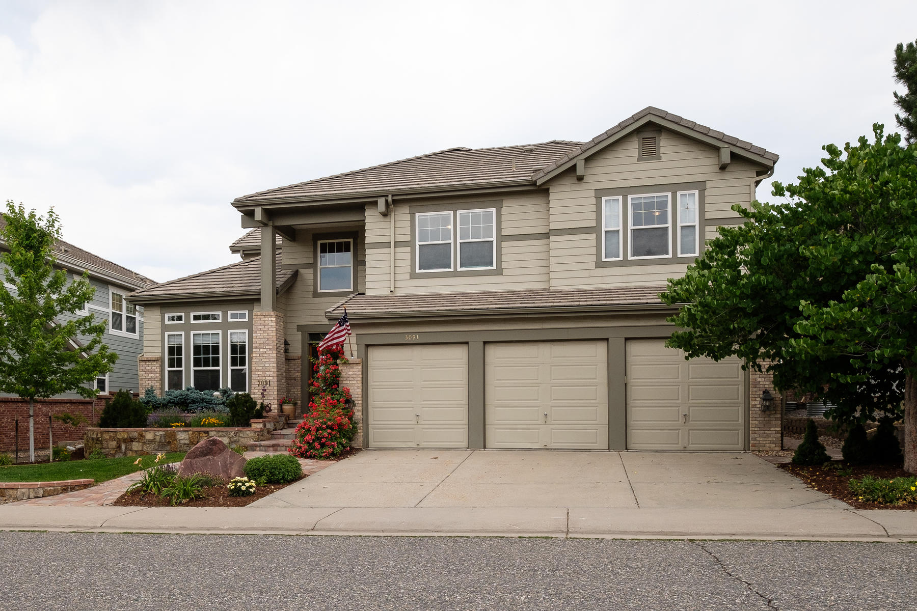 Single Family Home for Active at A classic craftman style interior with a new gourmet kitchen 3091 Greensborough Drive Highlands Ranch, Colorado 80129 United States