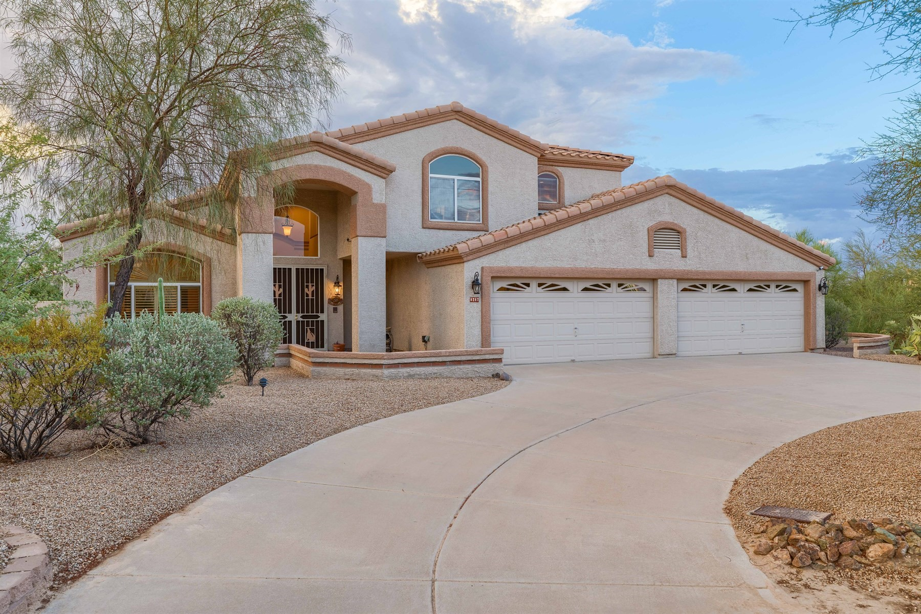 Single Family Home for Sale at North Scottsdale beauty with desert views 8787 E Lariat Ln, Scottsdale, Arizona, 85255 United States