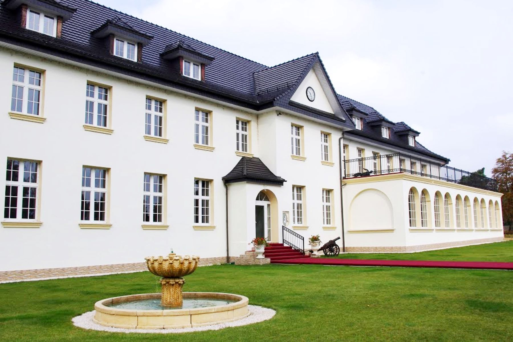 Other Residential Homes για την Πώληση στο Prawdzic Palace Other Poland, Αλλεσ Περιοχεσ Στην Πολωνια Πολωνια