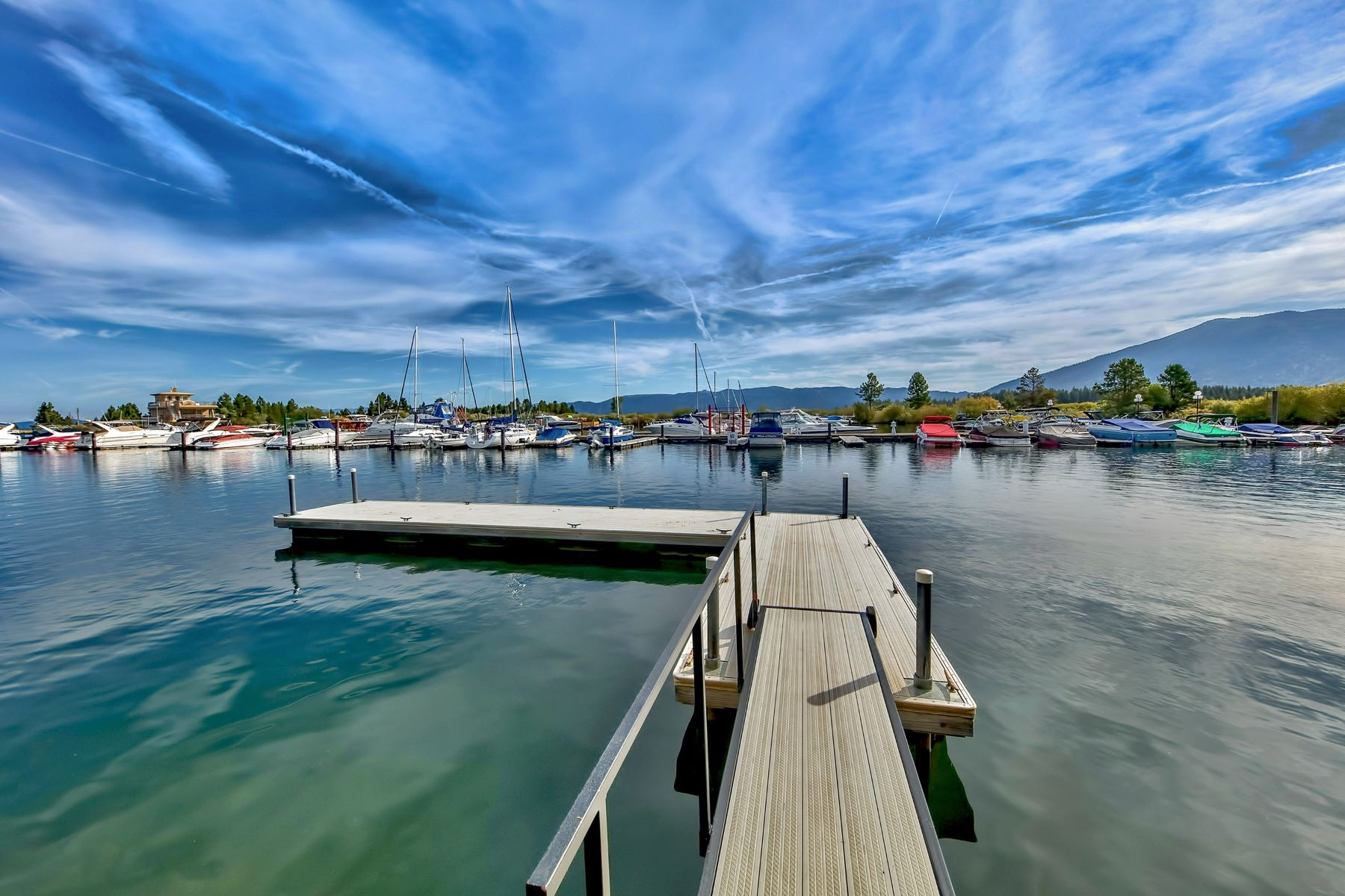 Additional photo for property listing at 439 Ala Wai Blvd, #133, South Lake Tahoe, CA 96150 439 Ala Wai Blvd. #133 South Lake Tahoe, California 96150 United States