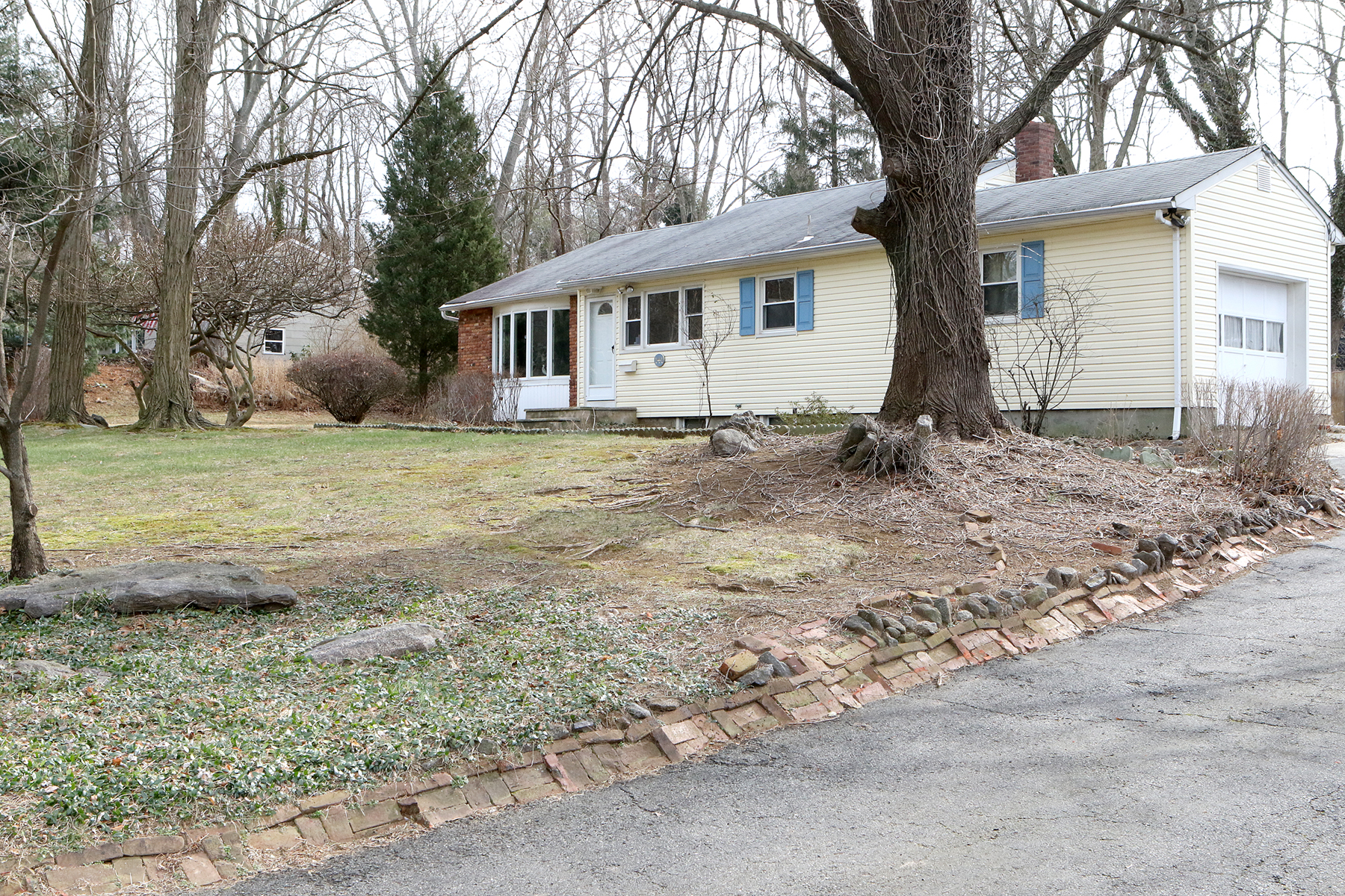 獨棟家庭住宅 為 出售 在 River Plaza Ranch- First Time Offered 141 Bruce Rd Middletown, 新澤西州, 07701 美國