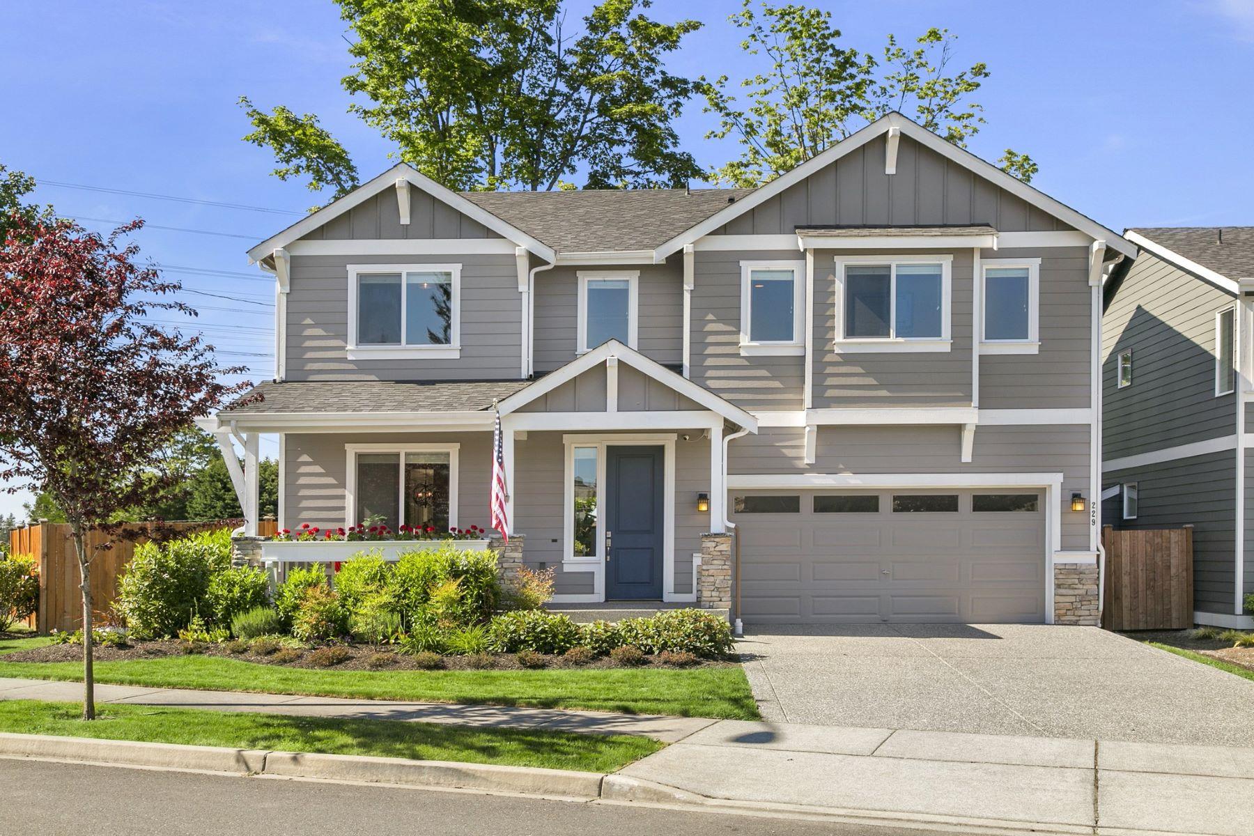 Vivienda unifamiliar por un Venta en Meticulous Lynnwood Craftsman 229 205th Place SW Lynnwood, Washington, 98036 Estados Unidos