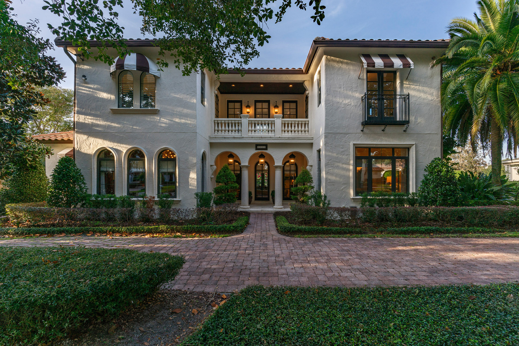 Single Family Homes for Sale at WINTER PARK 1421 Holts Grove Cir Winter Park, Florida 32789 United States