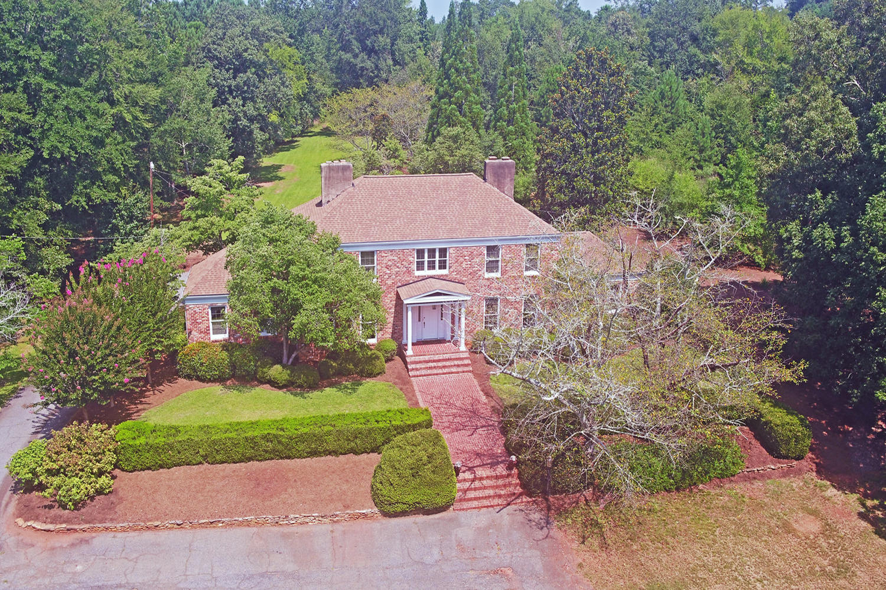 Single Family Home for Sale at Estate Home On 4+ Acres 140 Red Fox Run Athens, Georgia 30605 United States