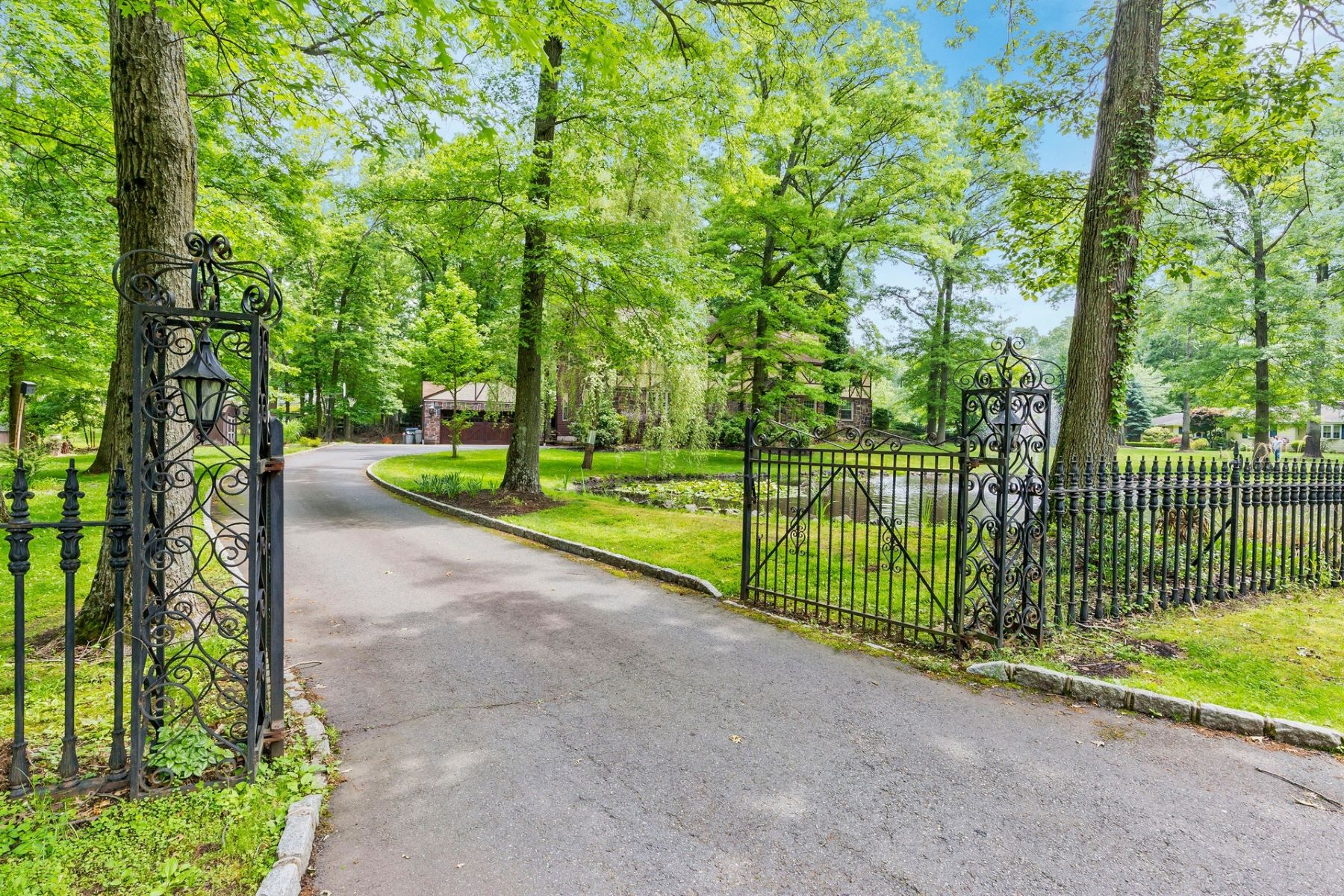 Single Family Homes for Sale at Captivating Custom Colonial 18 Southfield Rd Edison, New Jersey 08820 United States