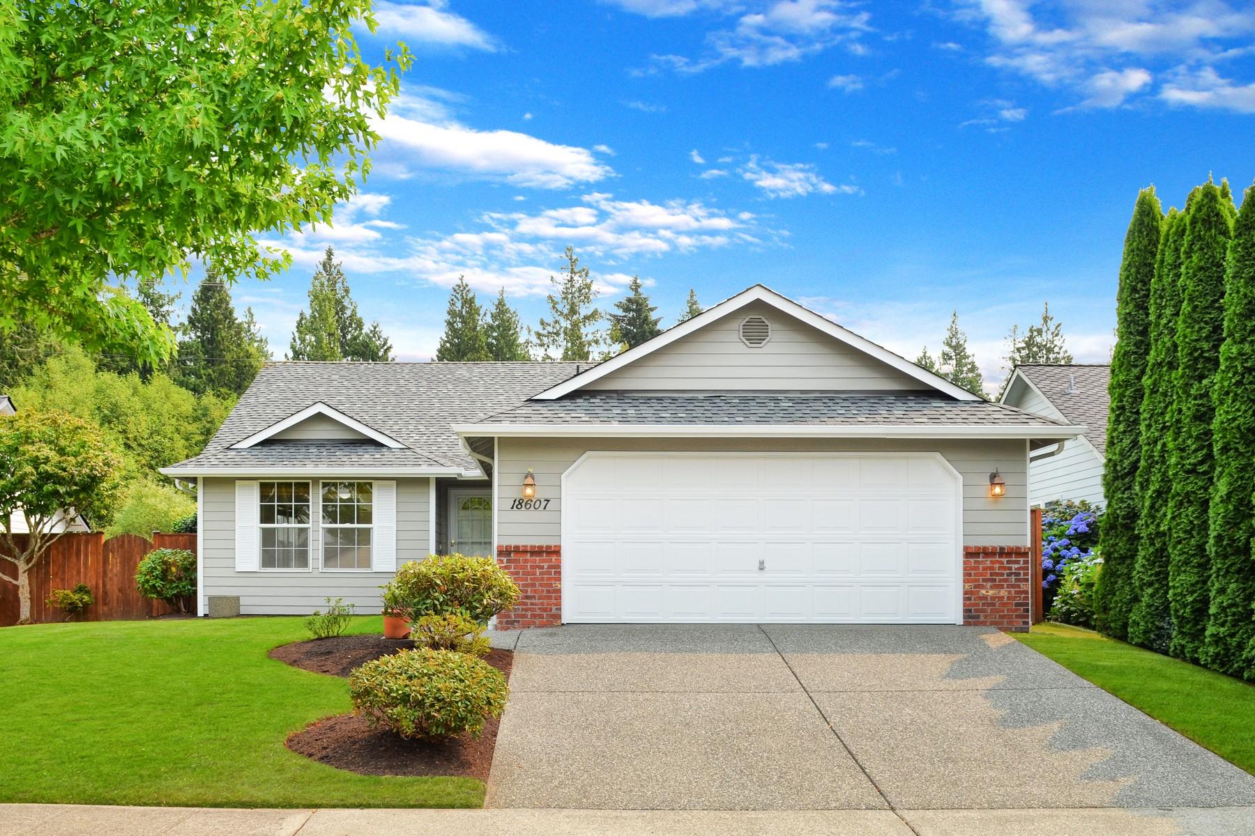 Single Family Home for Sale at Charming Arlington Rambler 18607 Ballantrae Drive Arlington, Washington, 98223 United States