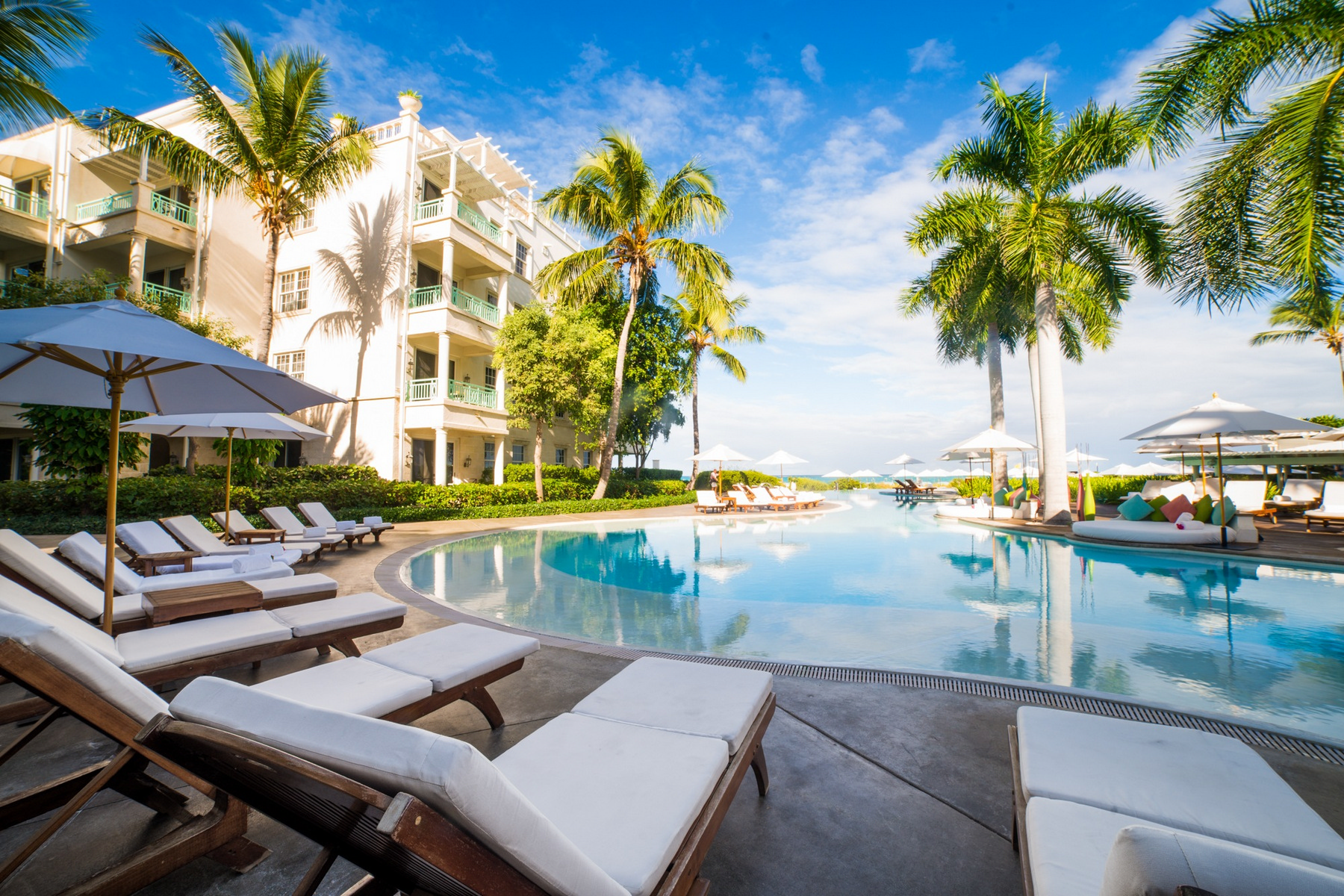 Additional photo for property listing at The Palms - Suite 1408.09.10 Beachfront Grace Bay, Providenciales TKCA 1ZZ Islas Turcas Y Caicos