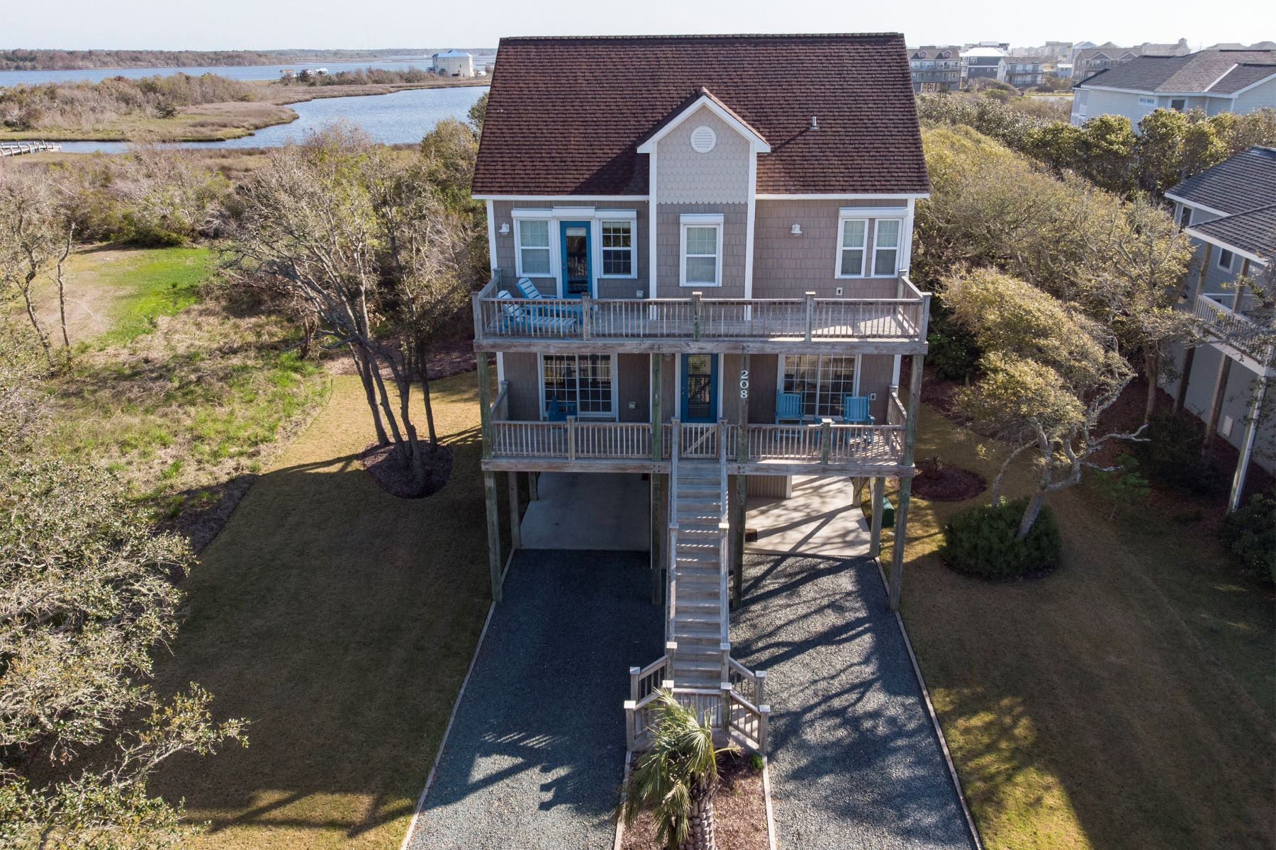 Single Family Homes por un Venta en Beach Oasis on North Topsail Beach 208 Porto Vista Dr, N Topsail Beach, Carolina Del Norte 28460 Estados Unidos