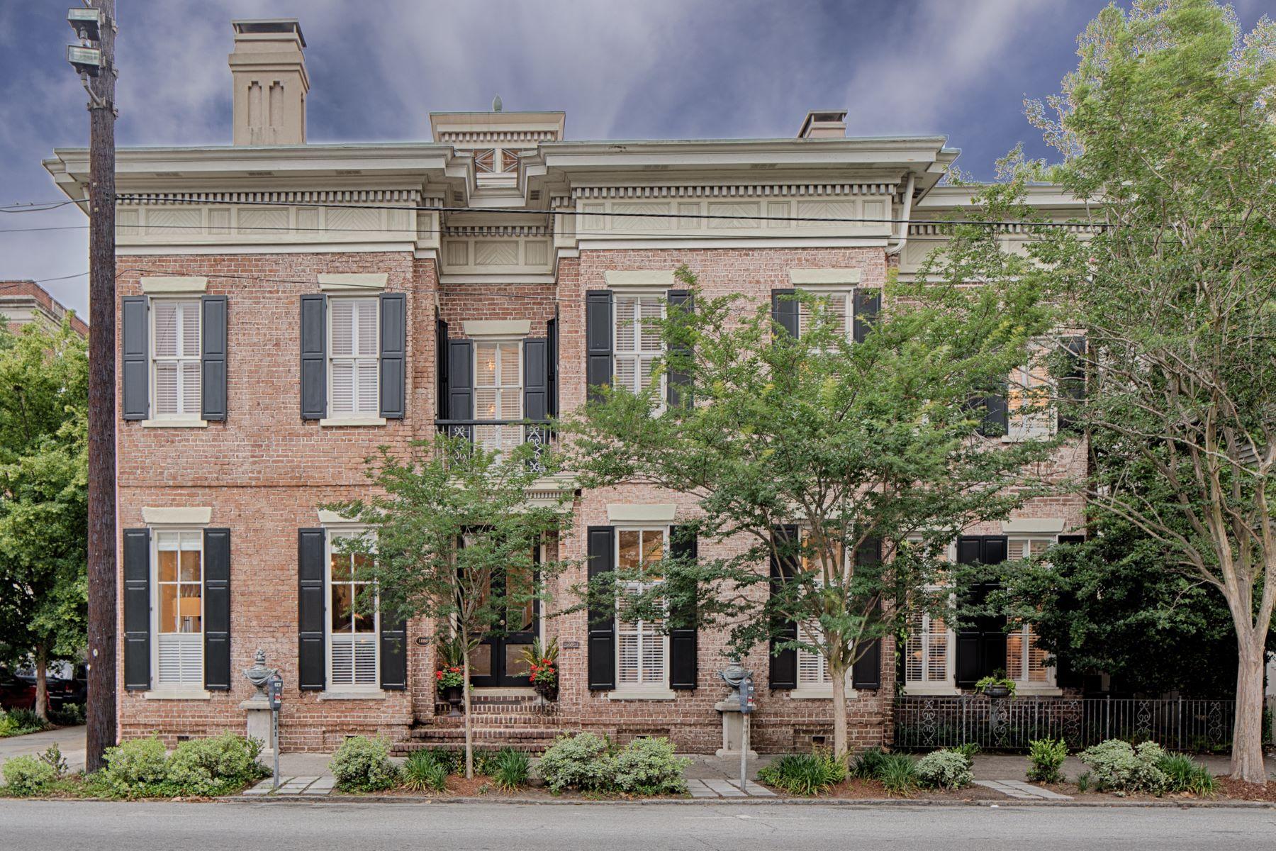 獨棟家庭住宅 為 出售 在 319 Abercorn Street 319 Abercorn Street Savannah, 喬治亞州 31401 美國