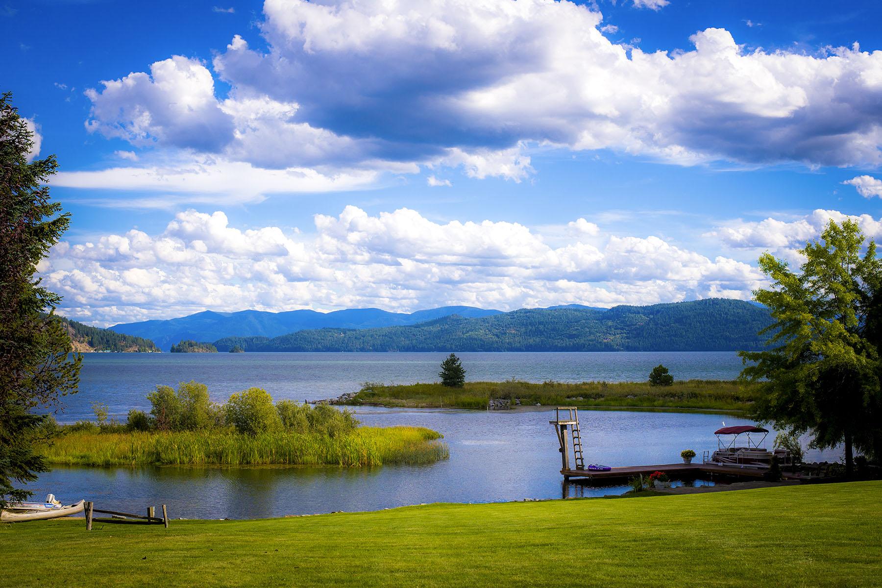 Nhà ở một gia đình vì Bán tại Charming Country Home With 5+ Acres on Lake Pend Oreille! 90 Sunnyside Road Sandpoint, Idaho, 83864 Hoa Kỳ