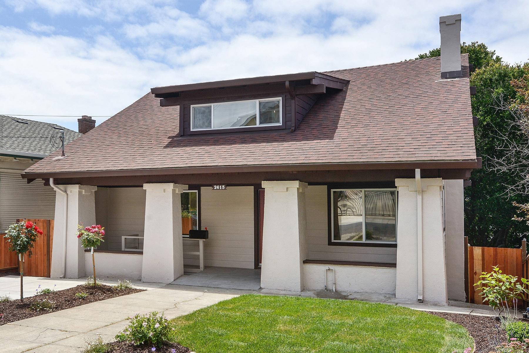 Maison unifamiliale pour l Vente à Refined Highland Terrace Craftsman 2615 Wakefield Avenue Oakland, Californie, 94606 États-Unis