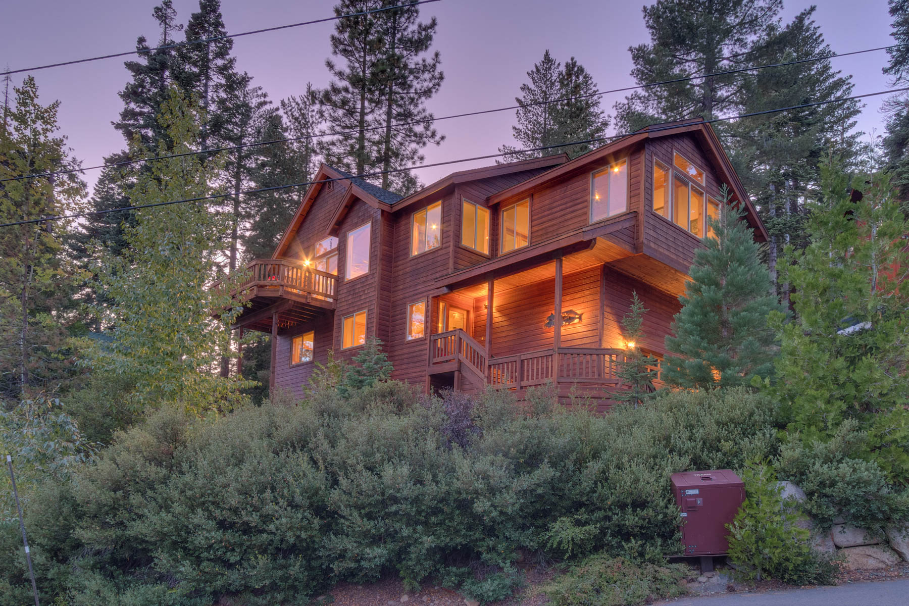 Single Family Homes for Active at 375 Fawn Lane, Tahoe City, CA 96148 375 Fawn Lane Tahoe Vista, California 96148 United States