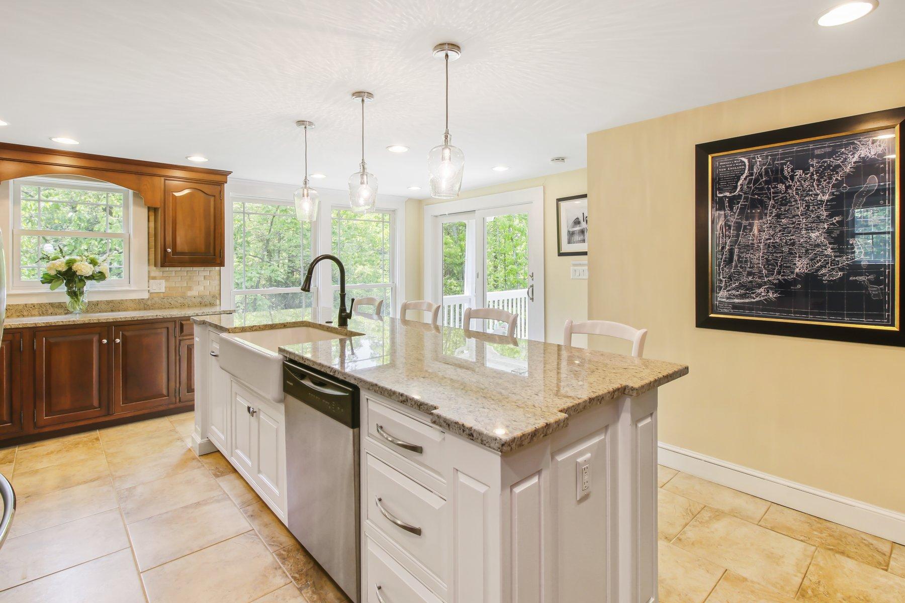 Single Family Homes por un Venta en 30 Bayberry Ln, Cohasset 30 Bayberry Ln Cohasset, Massachusetts 02025 Estados Unidos