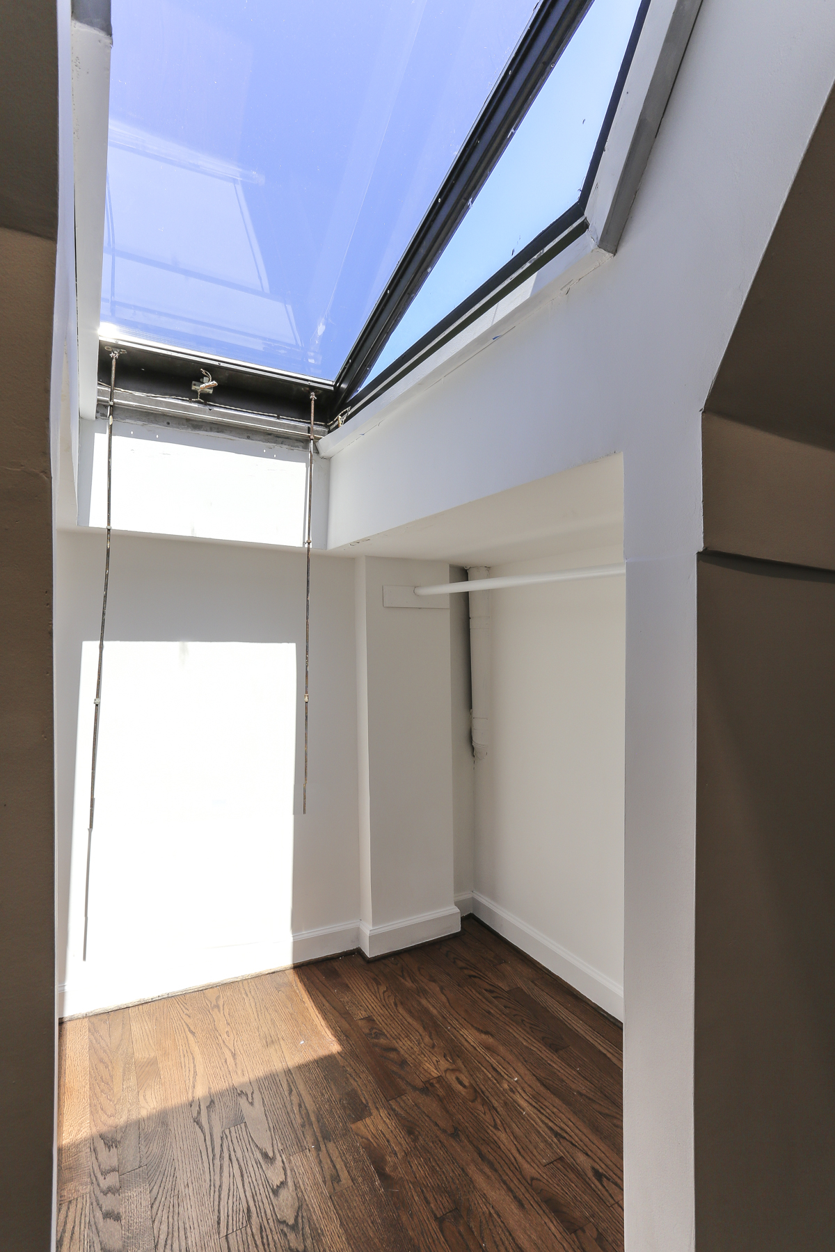 "Additional photo for property listing at ""DESIGNER SHOWCASE LOFT LIVING""  Forest Hills, New York 11375 United States"