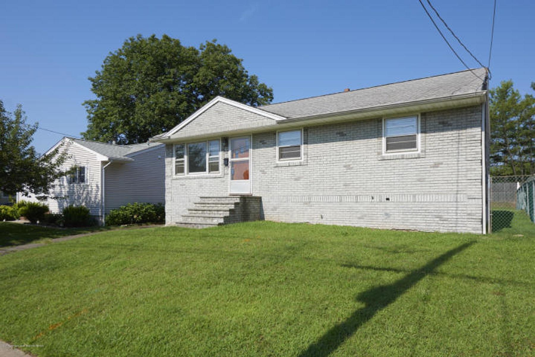 Casa Unifamiliar por un Venta en 33 Kosene Street Woodbridge, Nueva Jersey, 07095 Estados Unidos