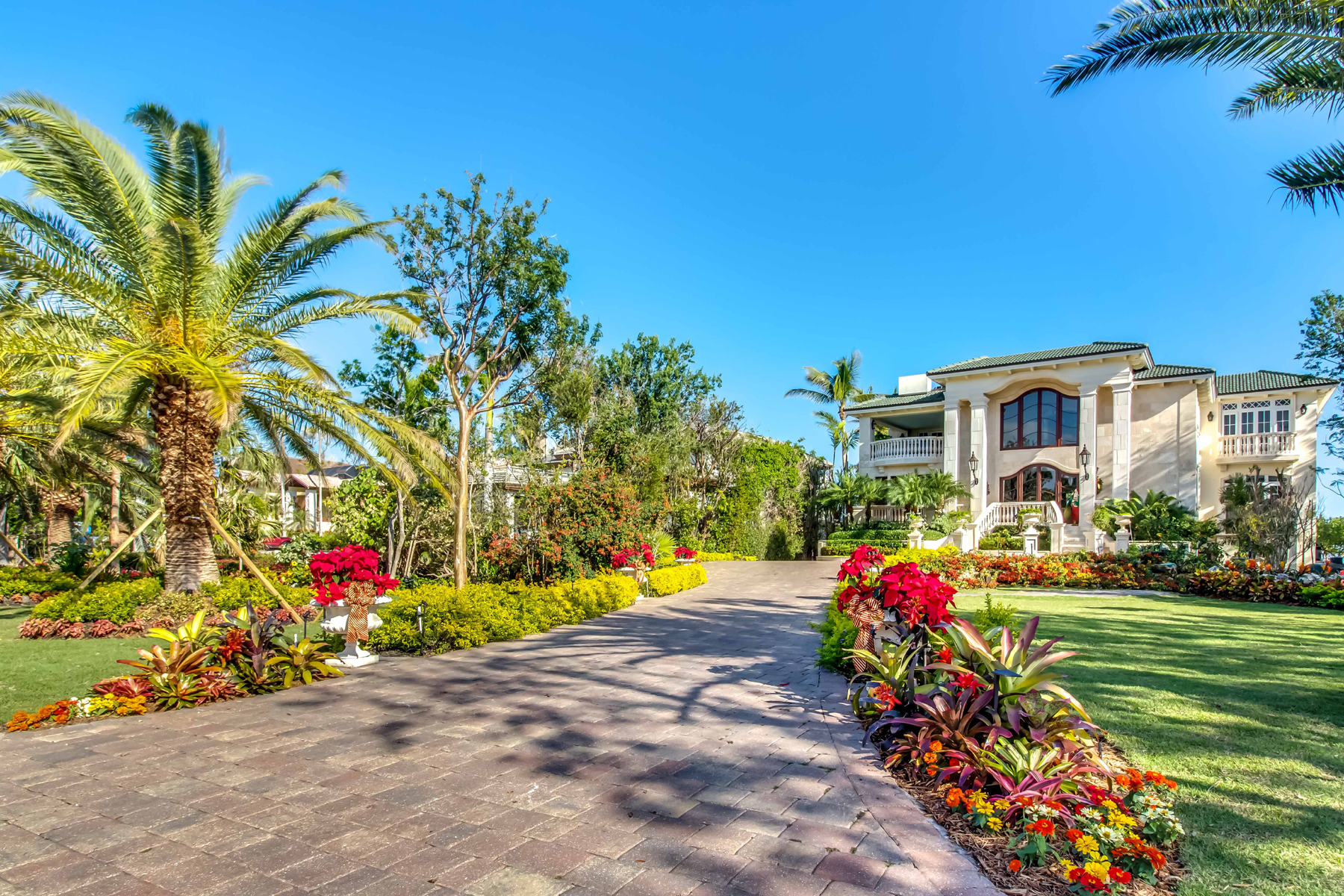 Single Family Home for Sale at Magnificent Oceanfront Home at Ocean Reef Club 14 Sunrise Cay Drive Key Largo, Florida 33037 United States