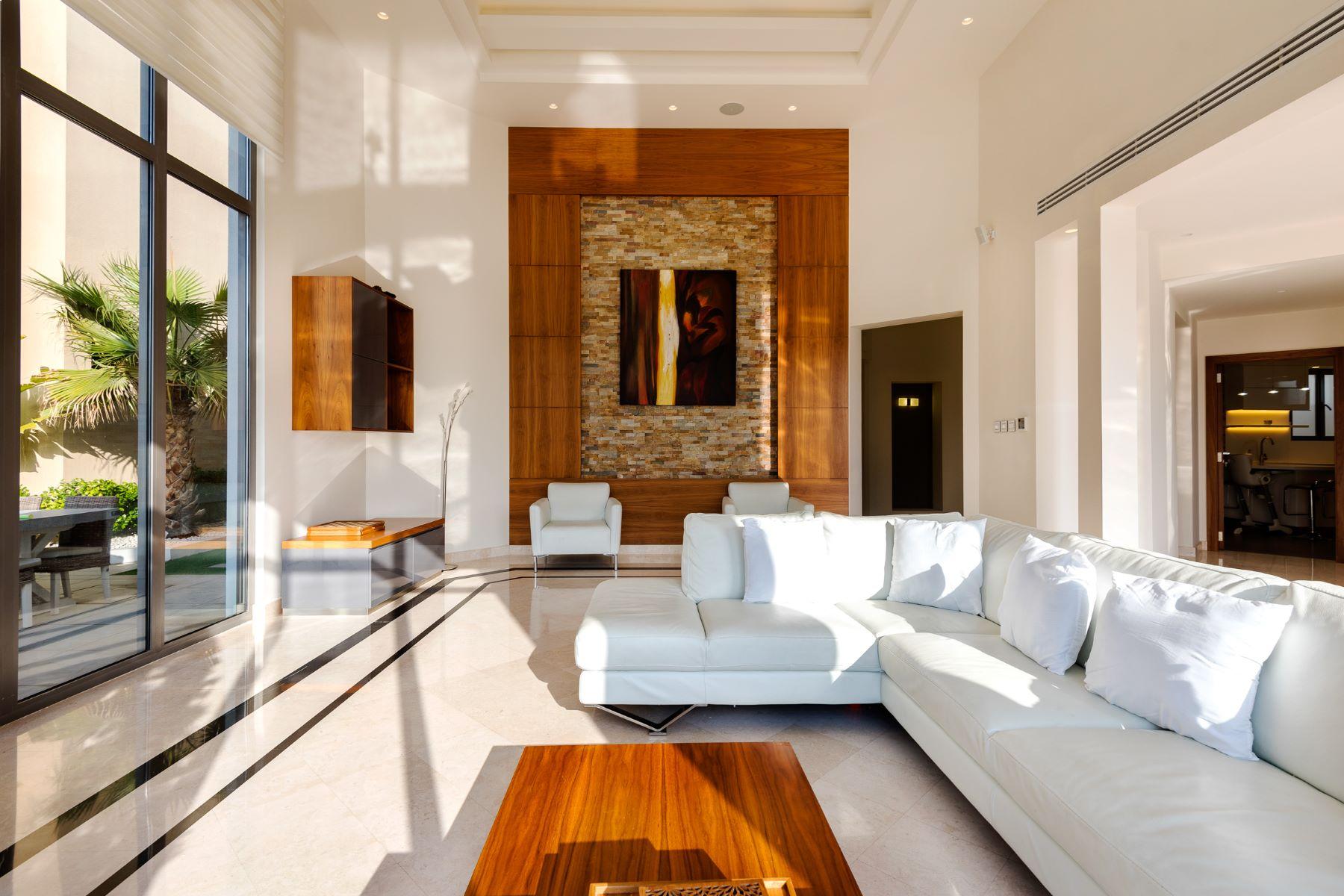 Single Family Home for Sale at 4 Bed Beach Front Villa Dubai, Dubai United Arab Emirates