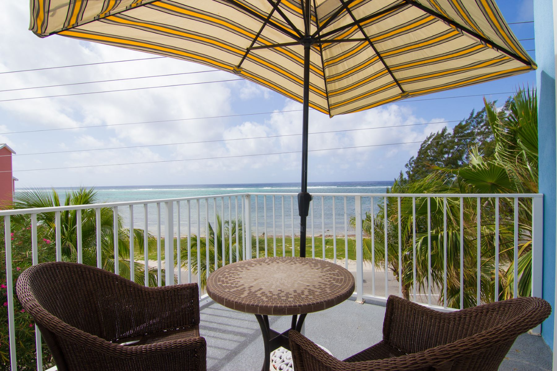 Additional photo for property listing at Tequila Sunrise at Paradise Villas Vacation Rental East End, Gran Caimán Islas Caimán