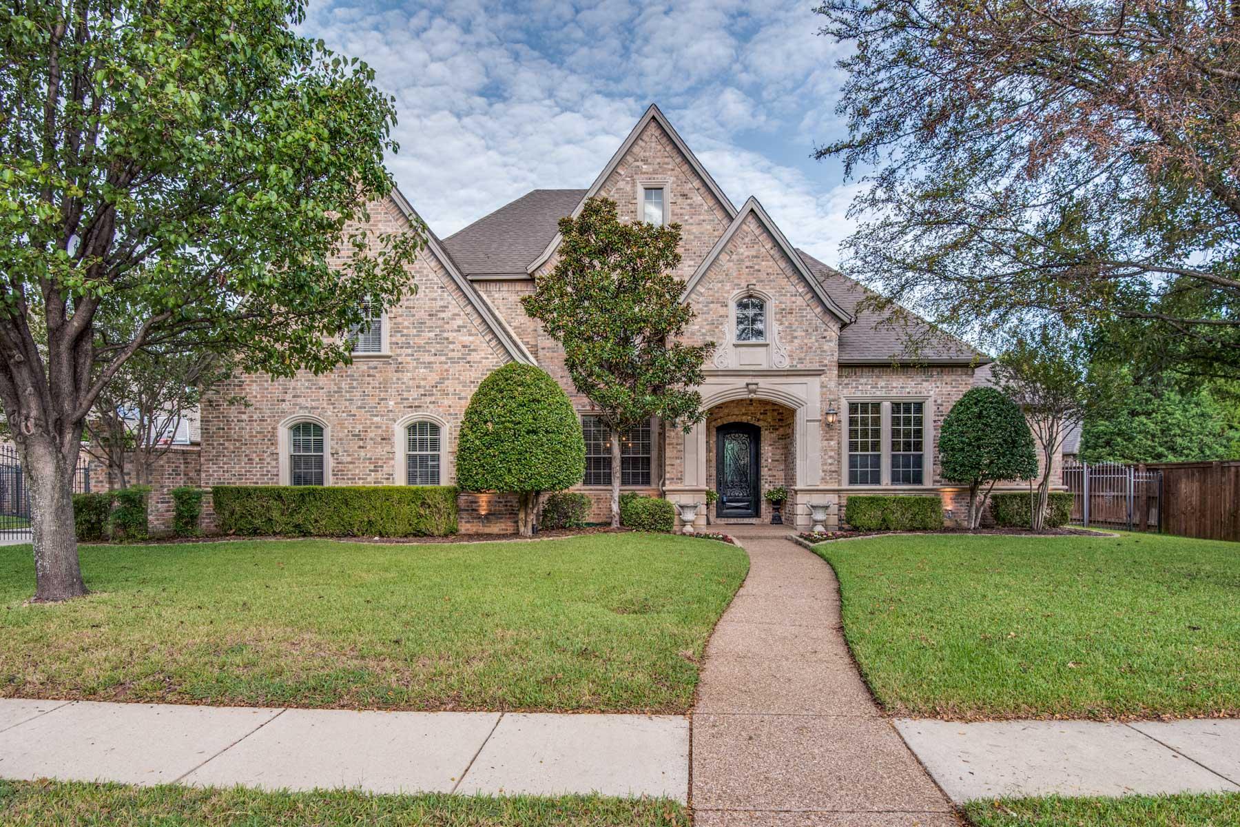 واحد منزل الأسرة للـ Sale في Gorgeous Colleyville Custom Home 7003 Shepherds Glen, Colleyville, Texas, 76034 United States