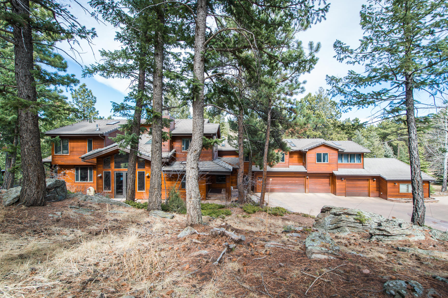 Single Family Home for Sale at Beautifully Remodeled & Rebuilt Home 1745 Foothills Drive Golden, Colorado 80401 United States