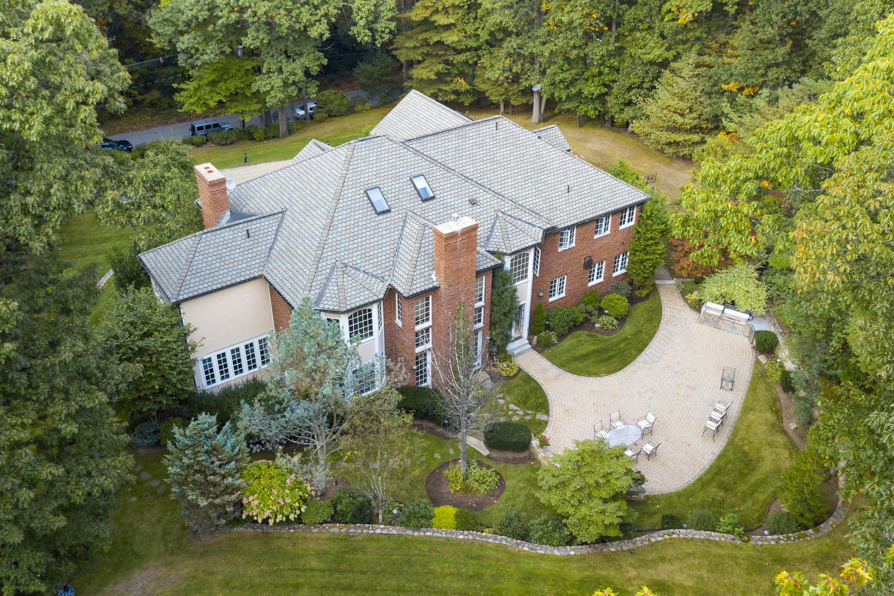 Casa Unifamiliar por un Venta en Bespoke Brick Manor 34 Green Lane, Weston, Massachusetts, 02493 Estados Unidos