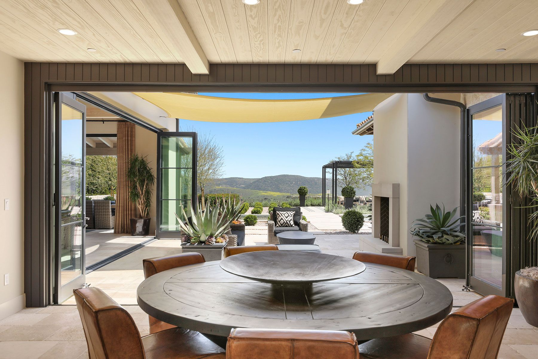 独户住宅 为 销售 在 8 Blue Shore 纽波特比奇, 加利福尼亚州, 92657 美国
