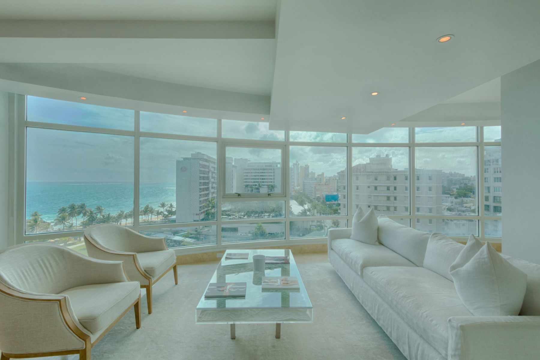 Additional photo for property listing at Modern 9th floor Ocean View at The Bristol 1052 Ashford Ave, Apt 9B San Juan, Puerto Rico 00907 Puerto Rico