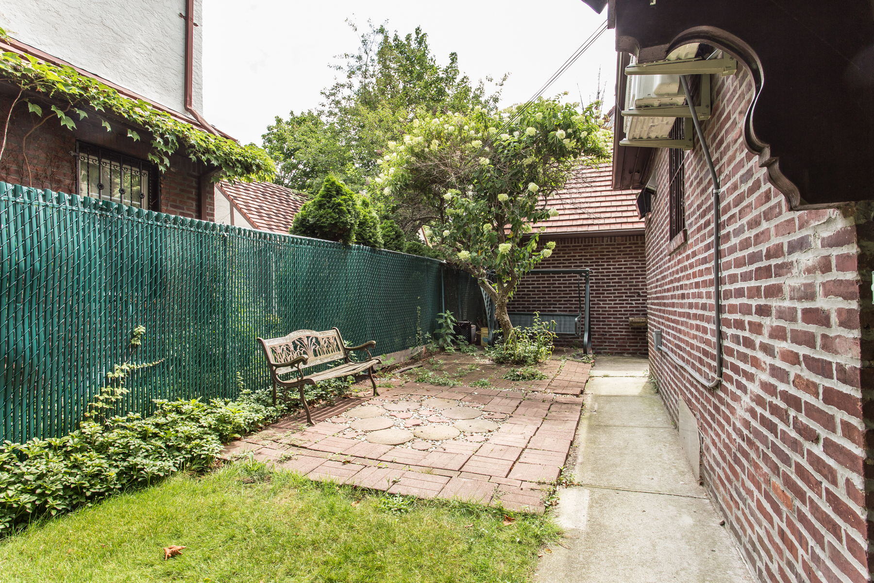"Additional photo for property listing at ""GRAND TUDOR CLASSIC""  Forest Hills, 紐約州 11375 美國"