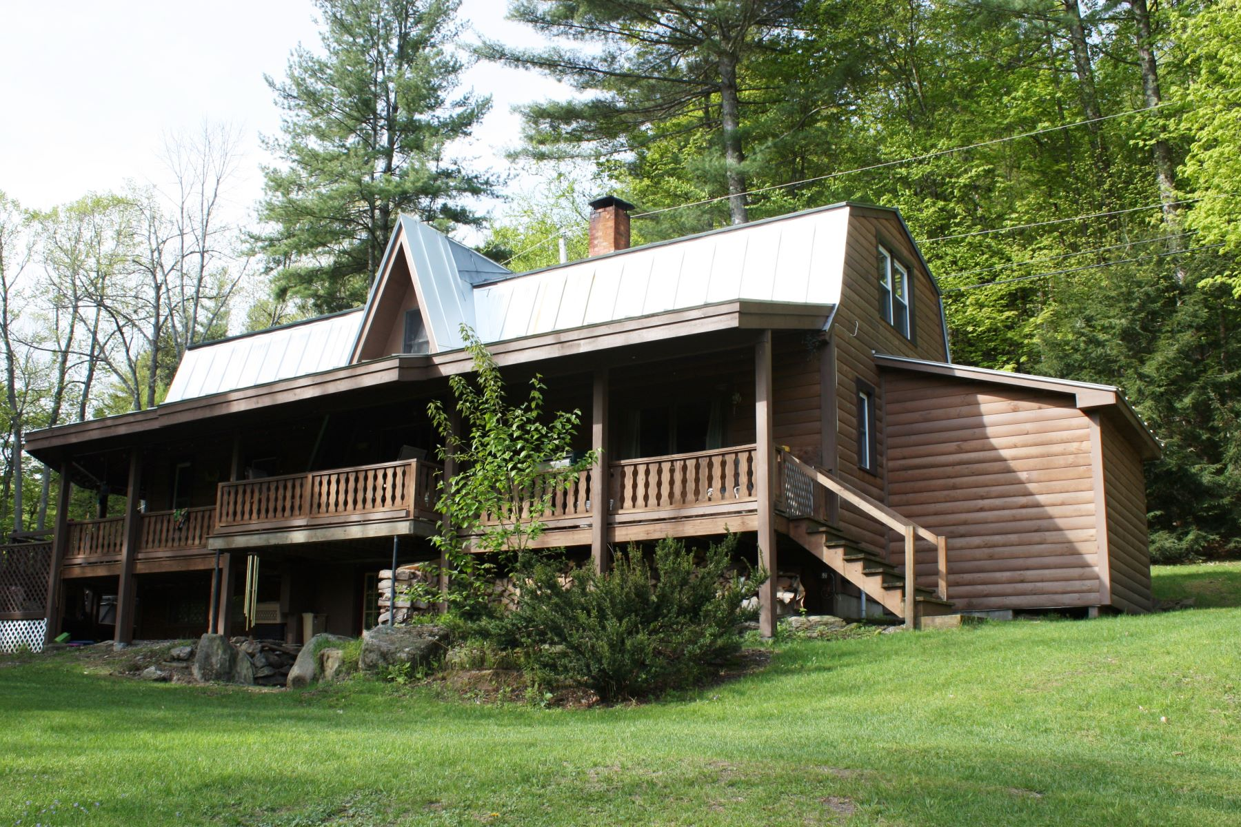 Single Family Homes for Sale at 122 Mt. Hunger Road Barnard, Vermont 05031 United States