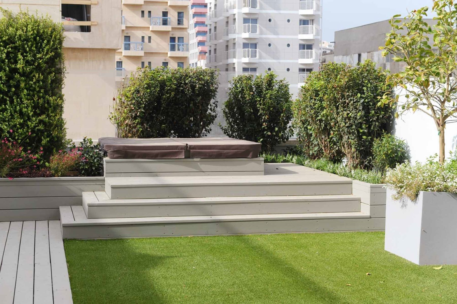 Additional photo for property listing at Villa style penthouse by the sea  Tel Aviv, Israel 6801805 Israël