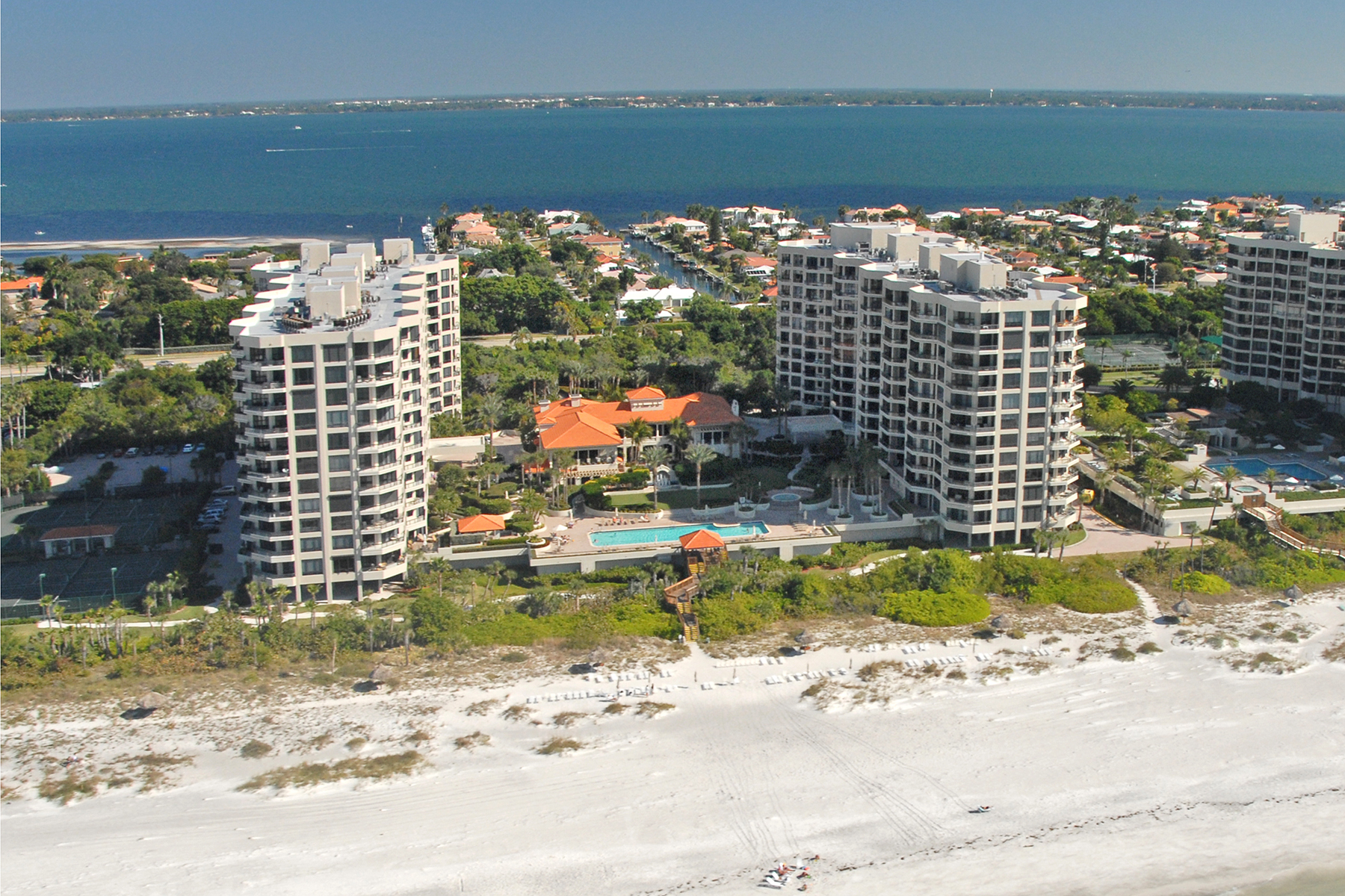 Condominiums for Sale at LONGBOAT KEY 1241 Gulf Of Mexico Dr , PH08 Longboat Key, Florida 34228 United States