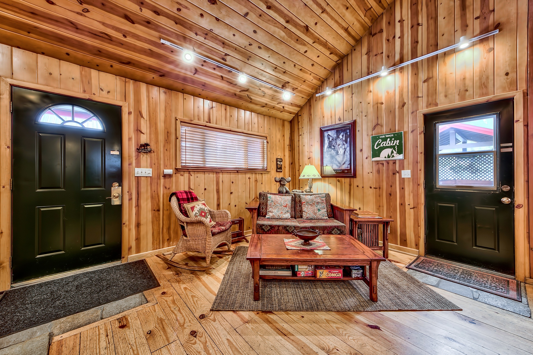 Additional photo for property listing at 1128 Craig Avenue, South Lake Tahoe, CA 96150 1128 Craig Avenue South Lake Tahoe, California 96150 United States