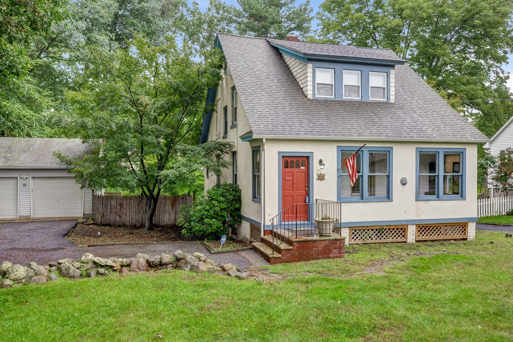 Single Family Home for Sale at Adorable Colonial 90 Littleton Road, Morris Plains, New Jersey 07950 United States