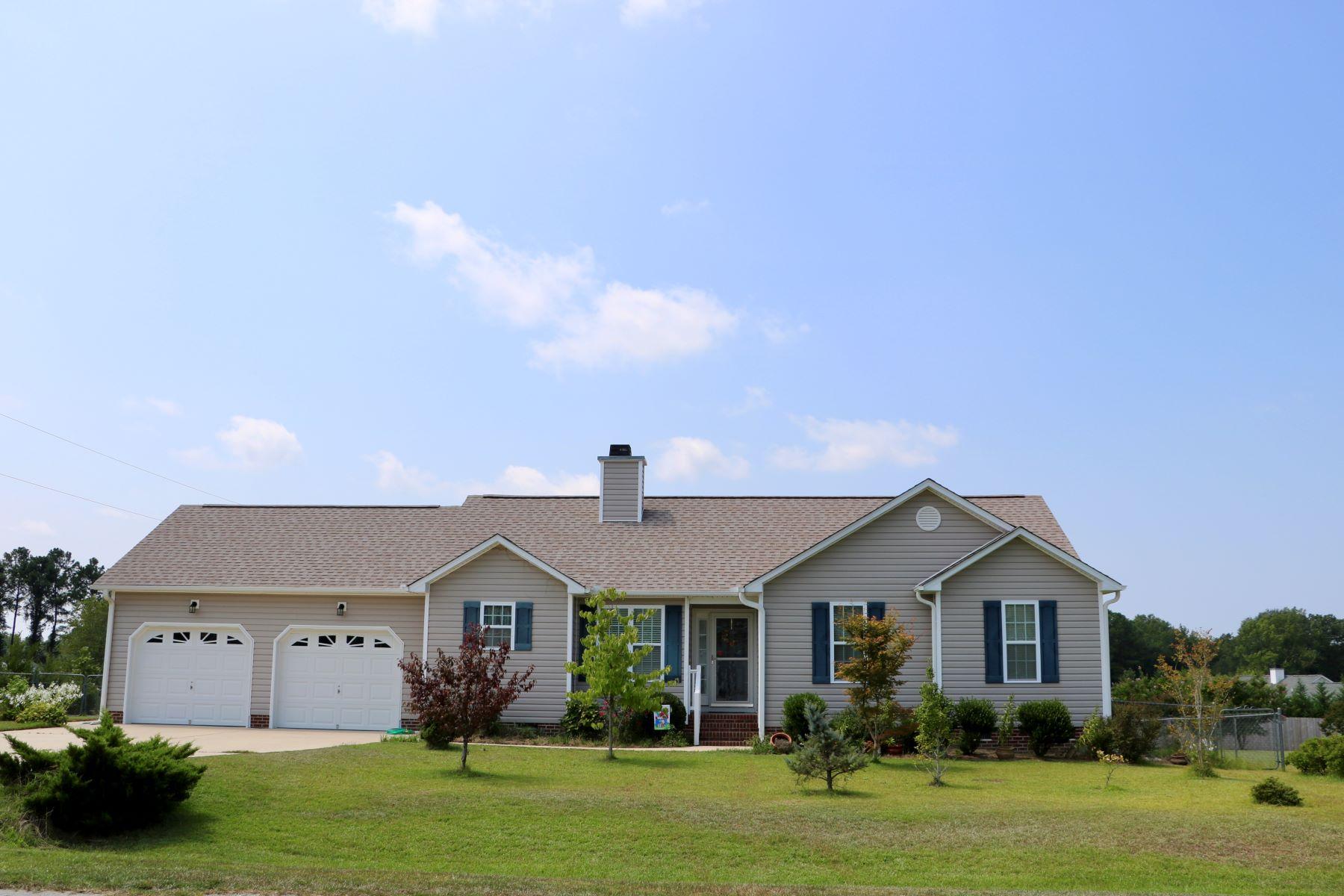 Single Family Homes por un Venta en 11 Cirrus Drive, Clayton, NC Clayton, Carolina Del Norte 27520 Estados Unidos